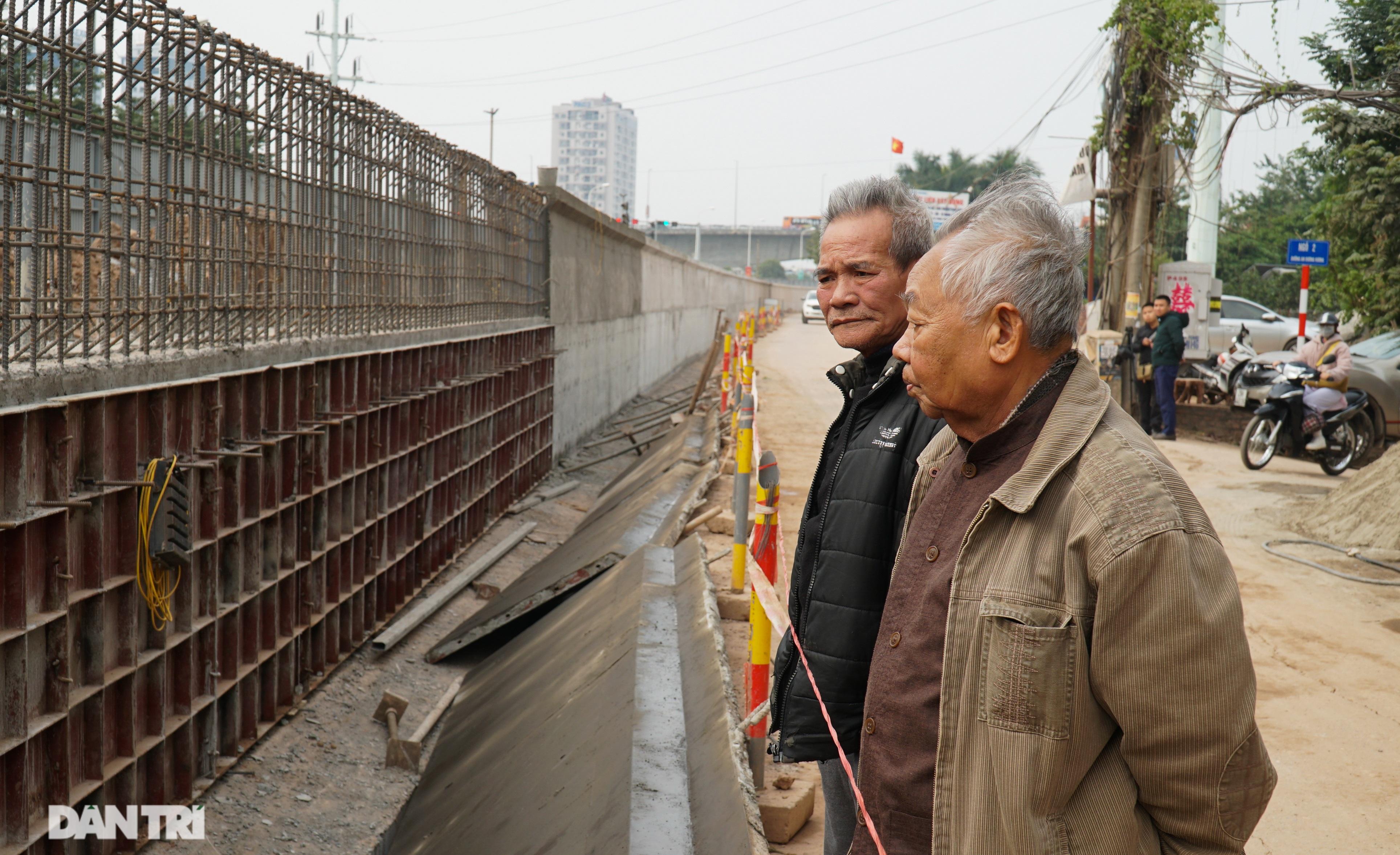 Thay bờ đê đất bằng tường chắn, đường Âu Cơ được mở rộng từ 2 lên 4 làn xe - 10