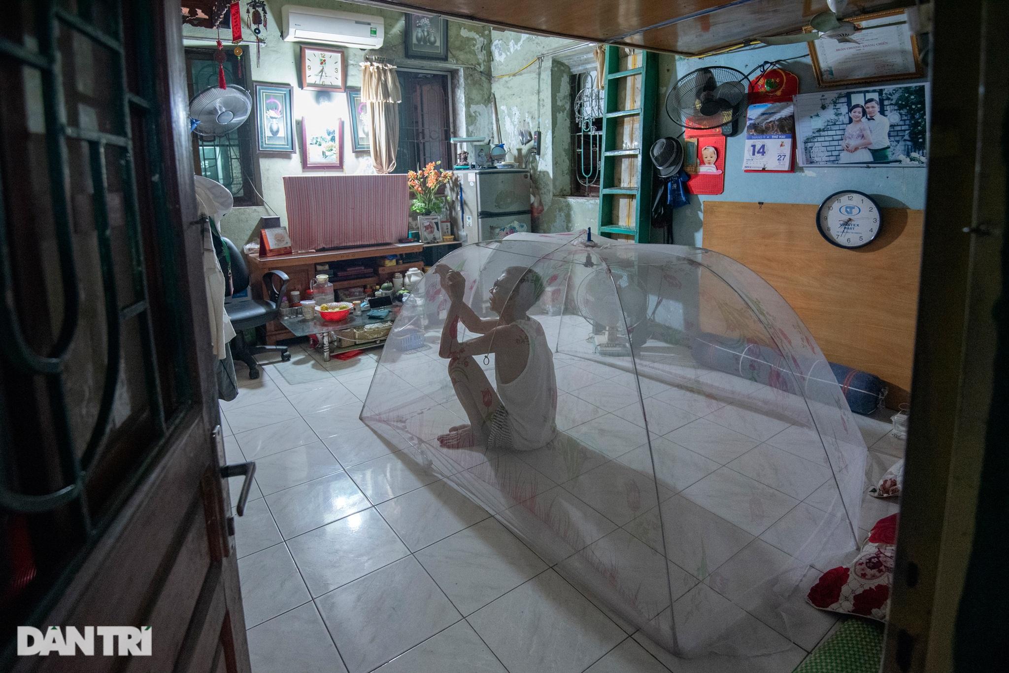 Đôi vợ chồng già trong căn nhà cuối cùng bị giải tỏa trên phố Đại La - 10
