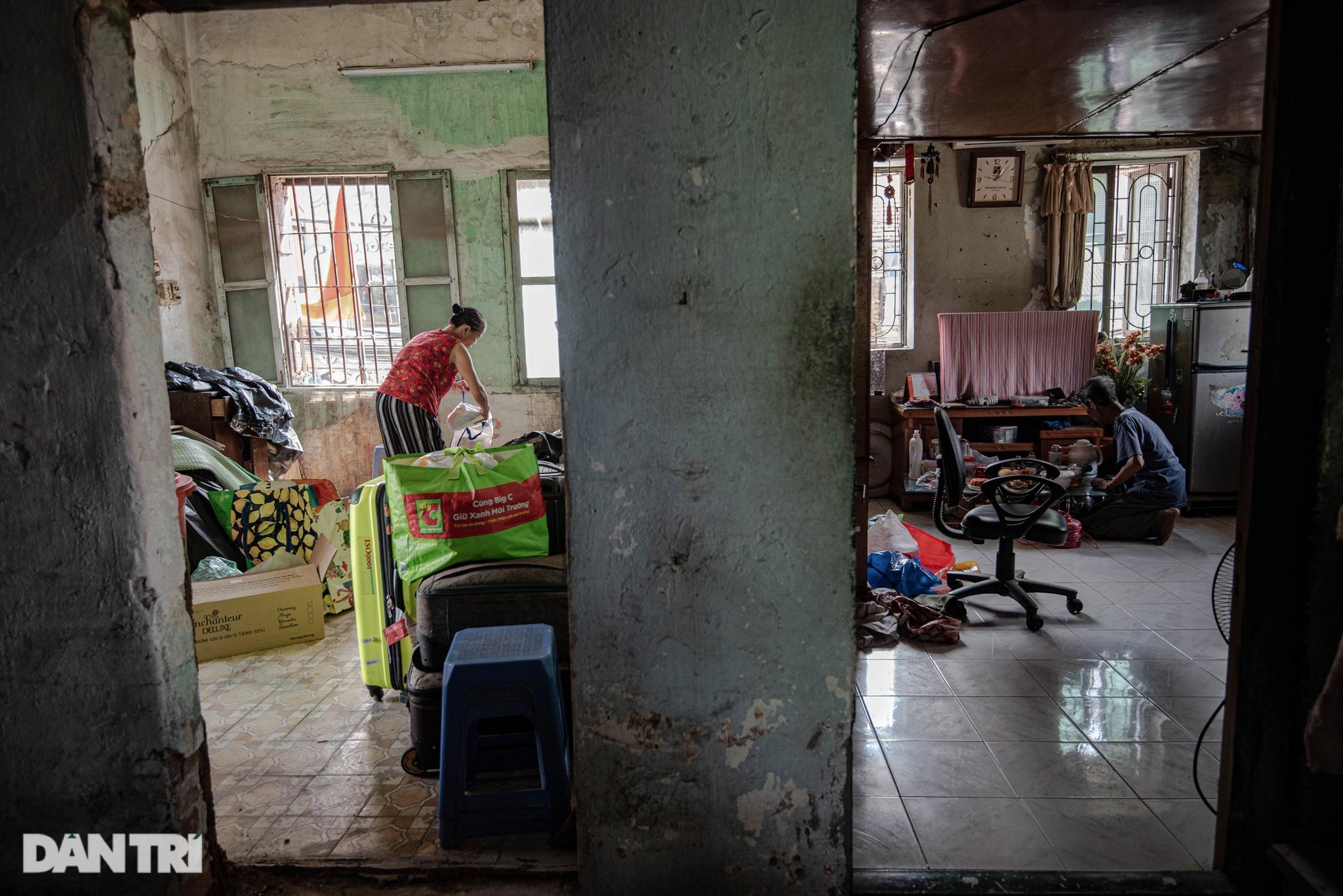 Đôi vợ chồng già trong căn nhà cuối cùng bị giải tỏa trên phố Đại La - 13