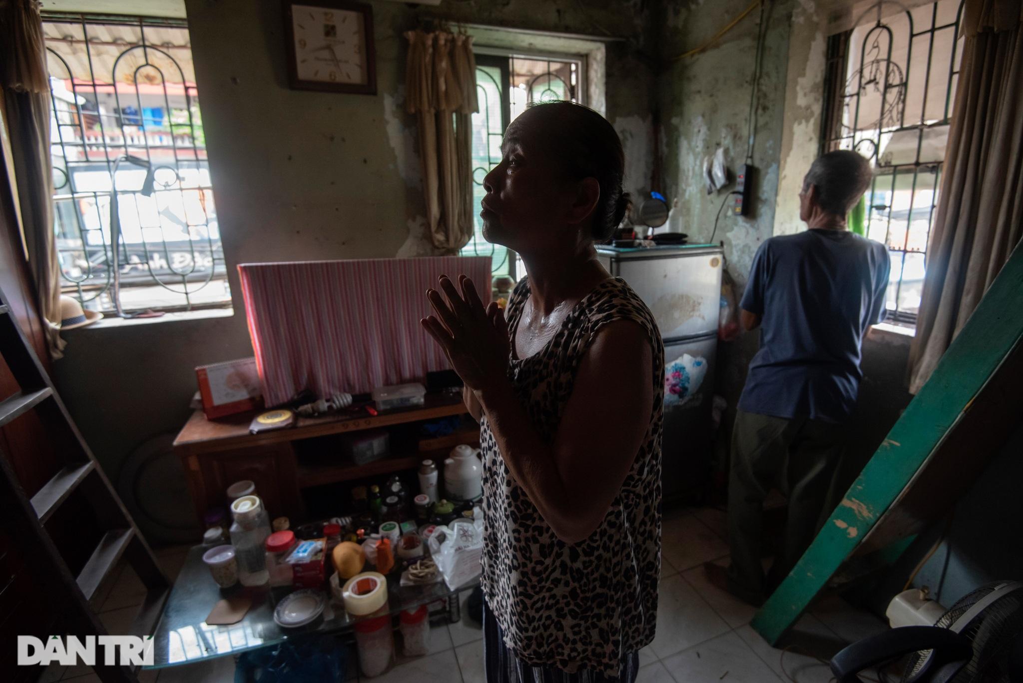 Đôi vợ chồng già trong căn nhà cuối cùng bị giải tỏa trên phố Đại La - 12