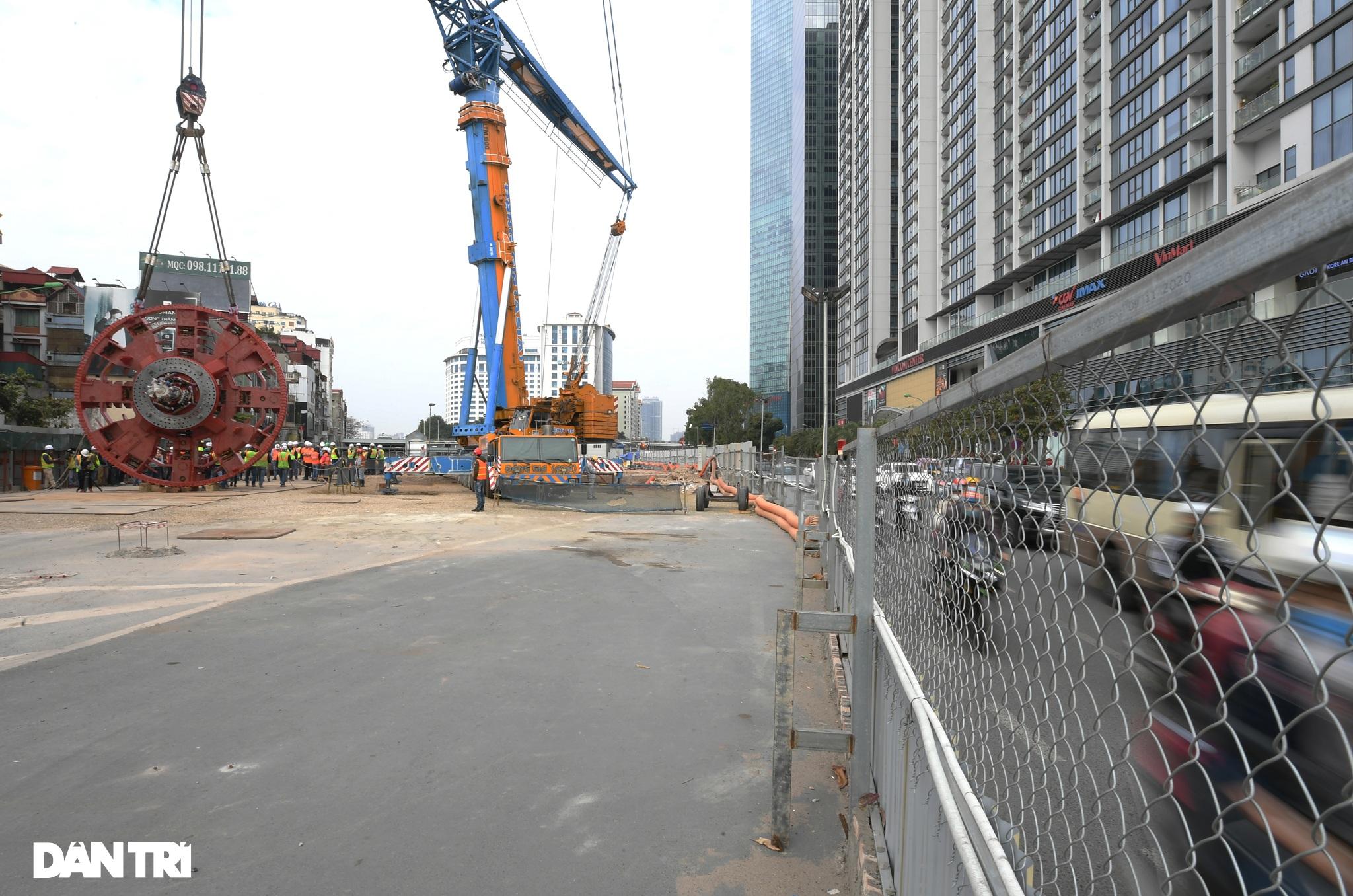 Ráp xong quái vật 860 tấn sẵn sàng đào hầm đường sắt Nhổn - ga Hà Nội - 2