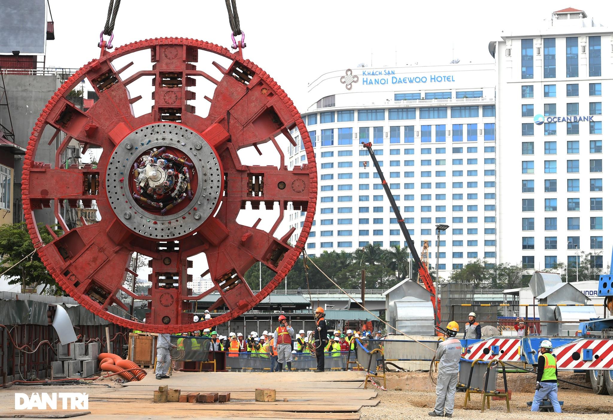 Ráp xong quái vật 860 tấn sẵn sàng đào hầm đường sắt Nhổn - ga Hà Nội - 6