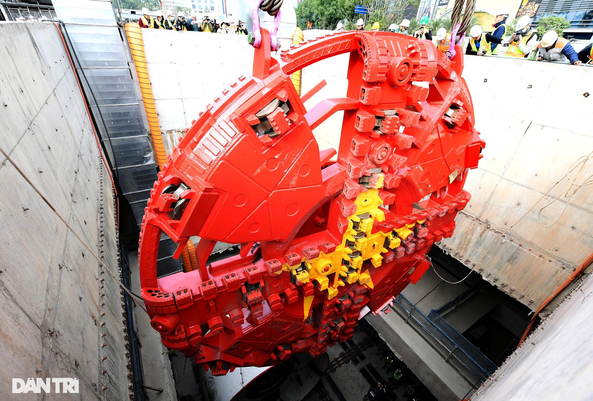 Ráp xong quái vật 860 tấn sẵn sàng đào hầm đường sắt Nhổn - ga Hà Nội - 1