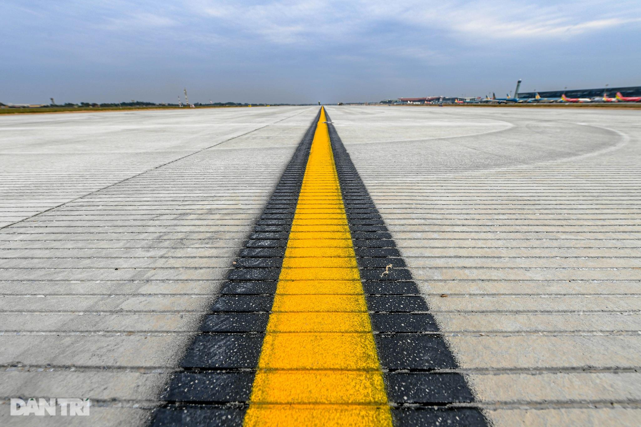 Hoàn tất giải cứu đường băng Nội Bài, đón chuyến bay đầu tiên của năm mới - 5