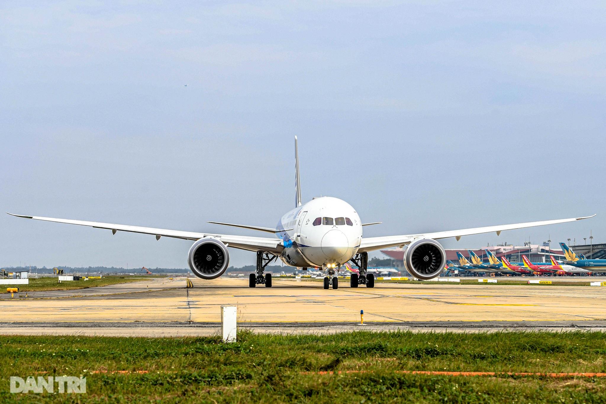 Hoàn tất giải cứu đường băng Nội Bài, đón chuyến bay đầu tiên của năm mới - 4
