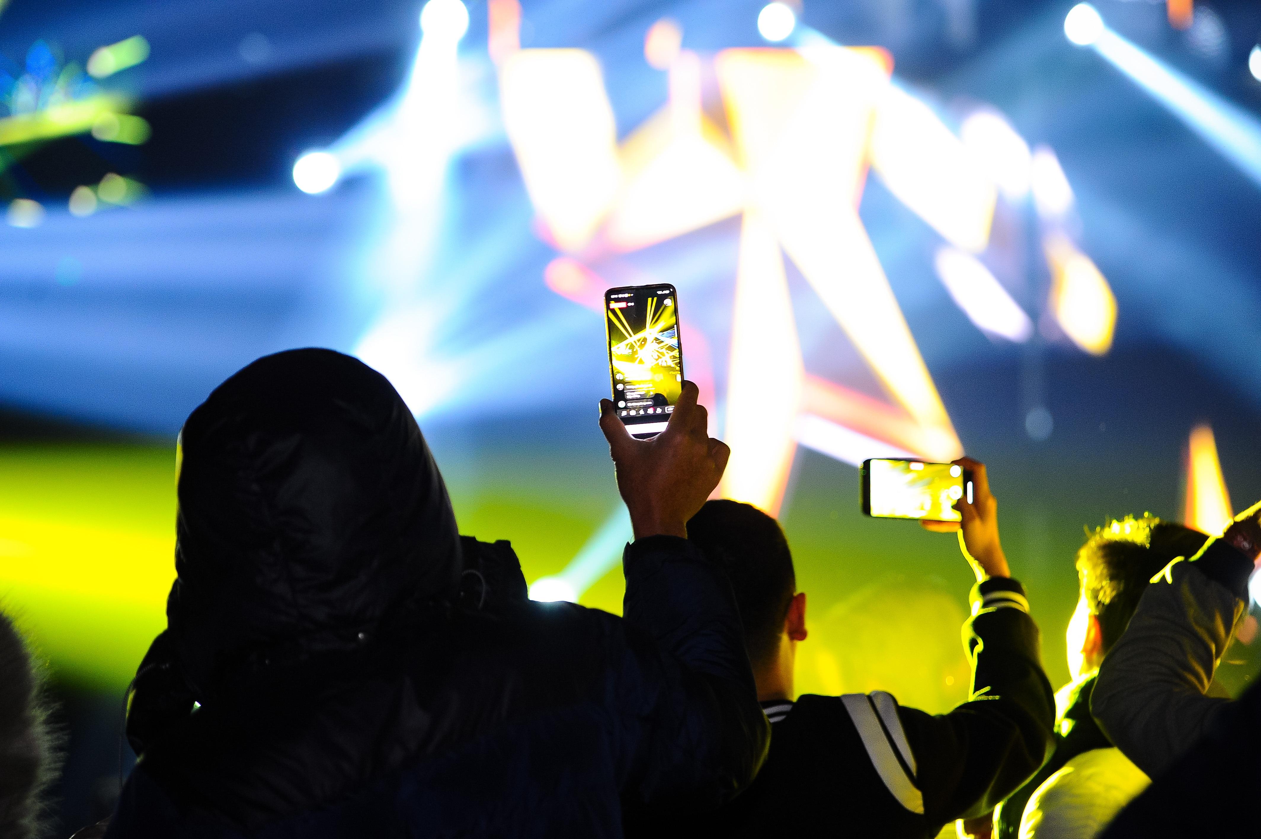 Bữa đại tiệc âm nhạc hoành tráng đón năm mới 2021 của cư dân Ecopark - 4