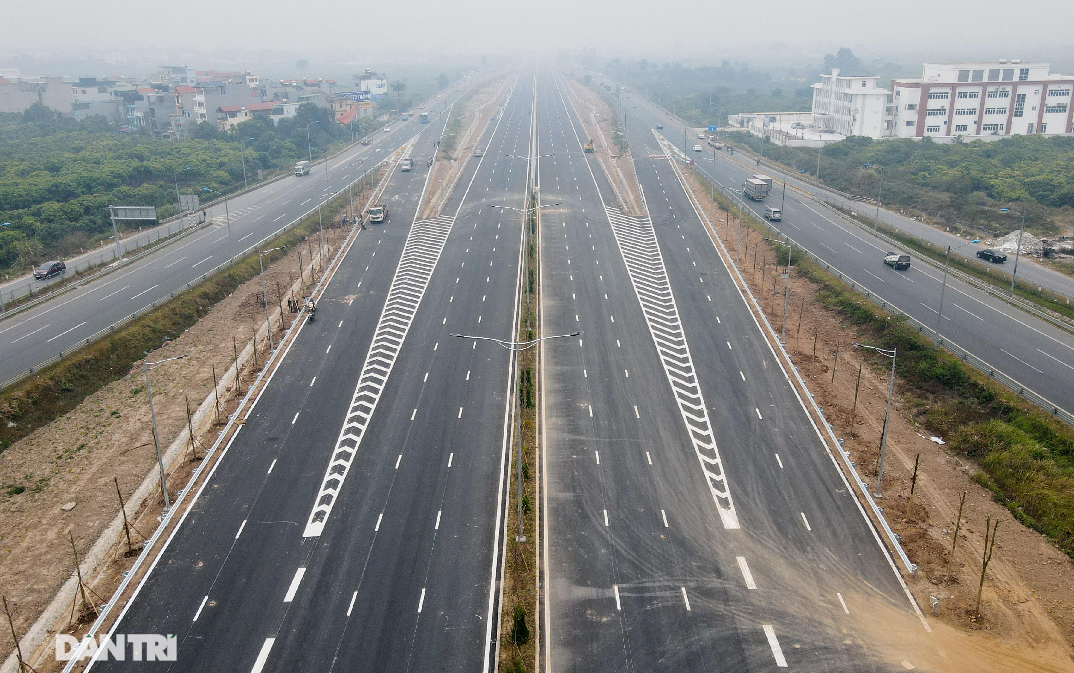 Toàn cảnh nút giao cao tốc hơn 400 tỷ ở Hà Nội trước ngày thông xe - 2