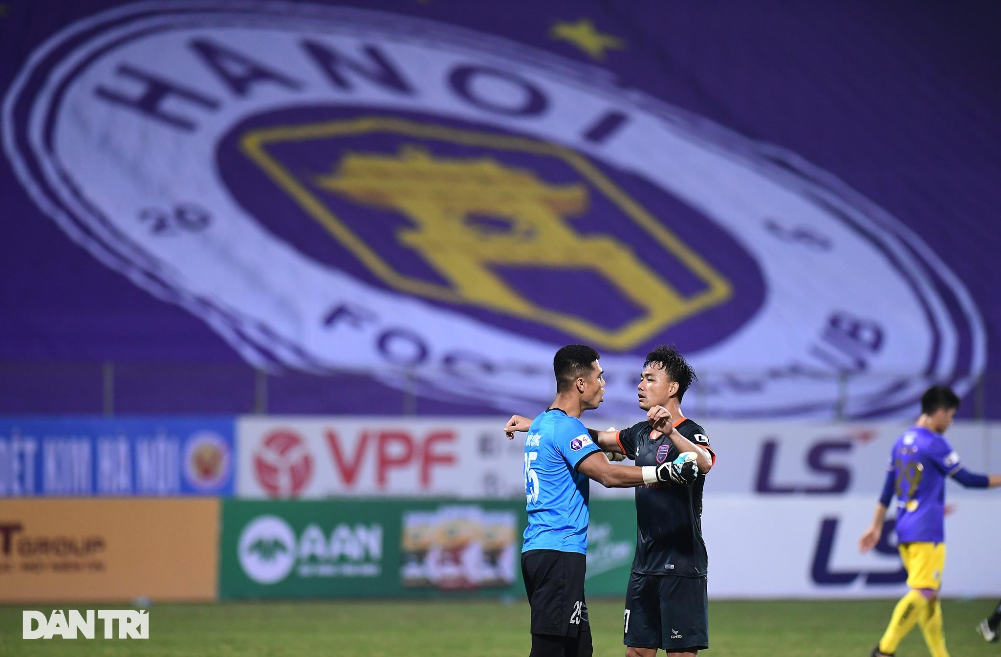 Những khoảnh khắc CLB Hà Nội thua trận thứ hai liên tiếp ở V-League - 19