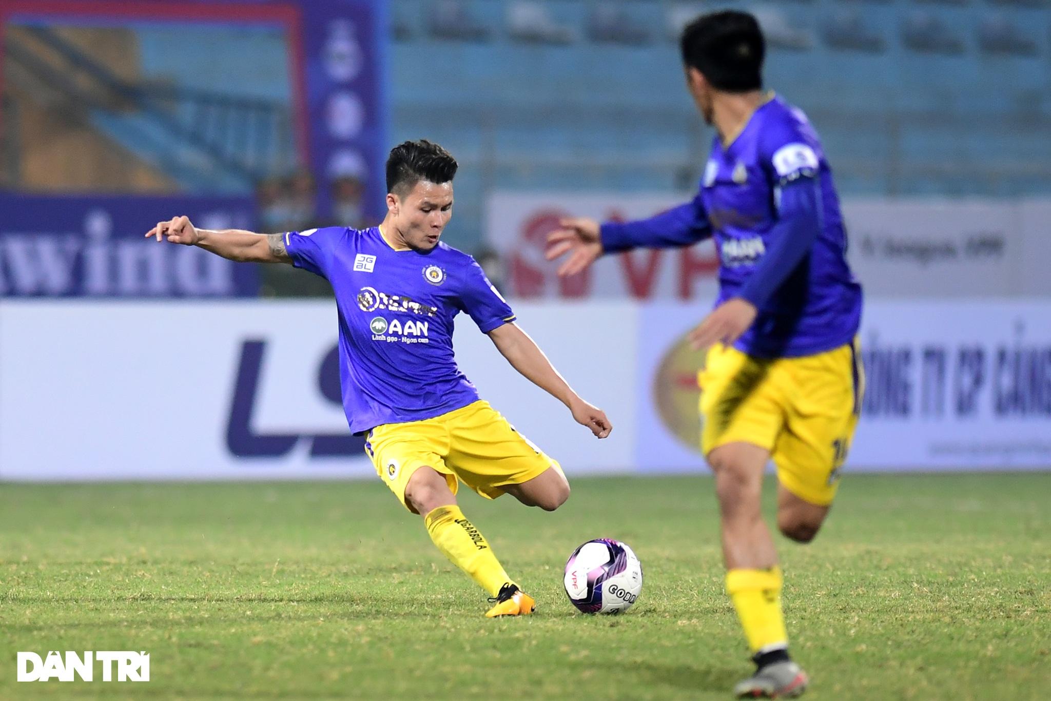 Những khoảnh khắc CLB Hà Nội thua trận thứ hai liên tiếp ở V-League - 5