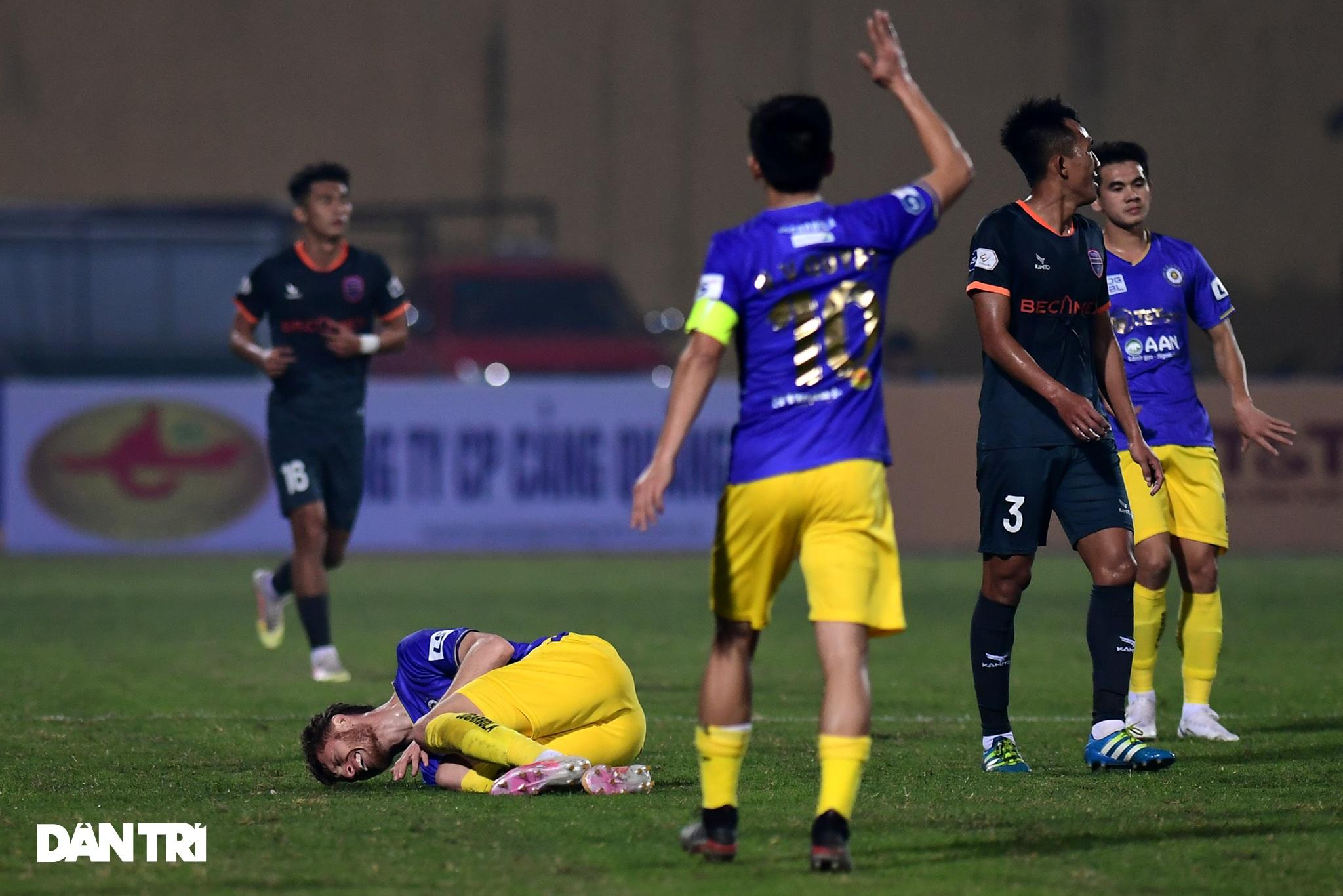 Những khoảnh khắc CLB Hà Nội thua trận thứ hai liên tiếp ở V-League - 2