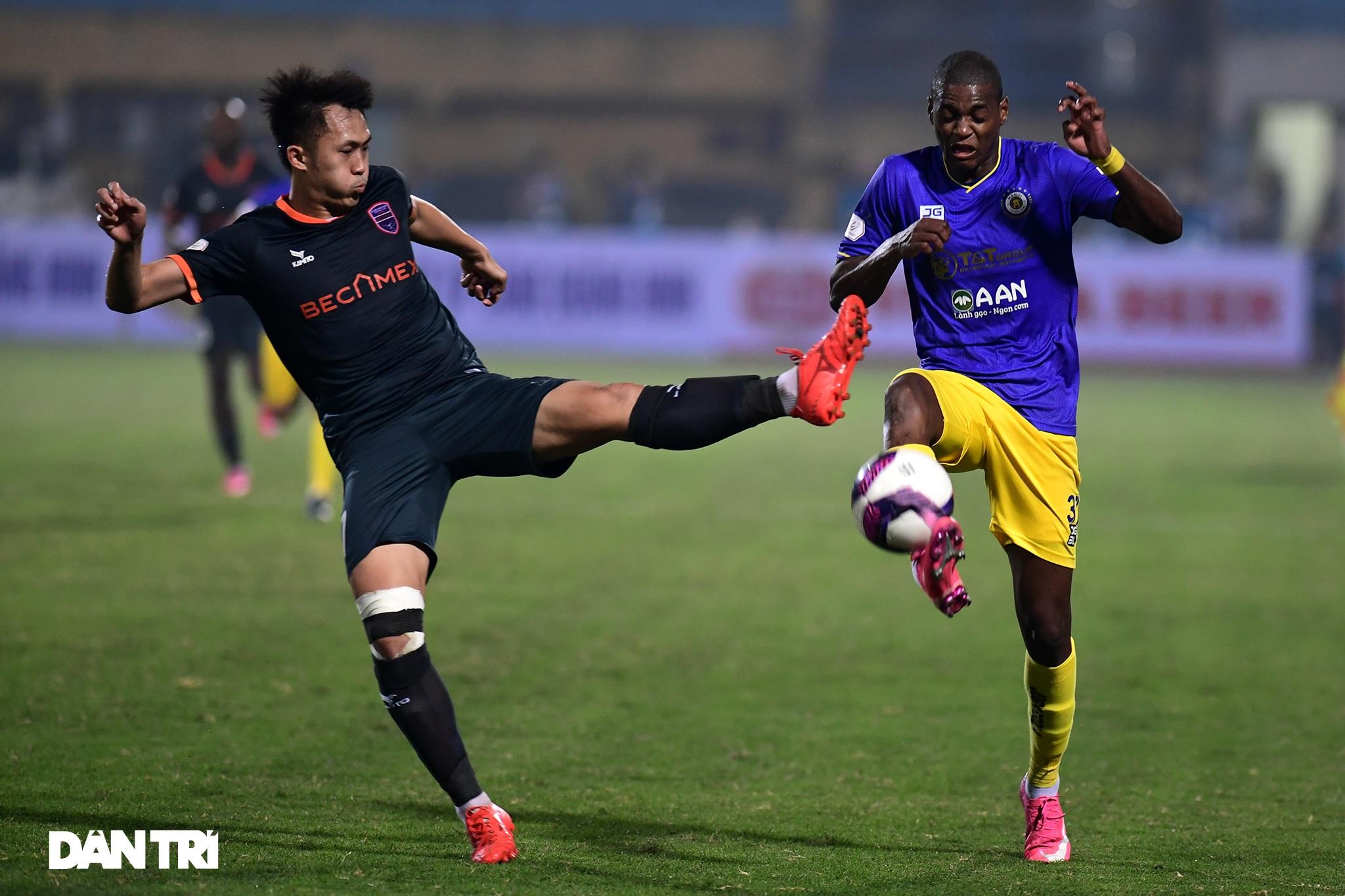 Những khoảnh khắc CLB Hà Nội thua trận thứ hai liên tiếp ở V-League - 11