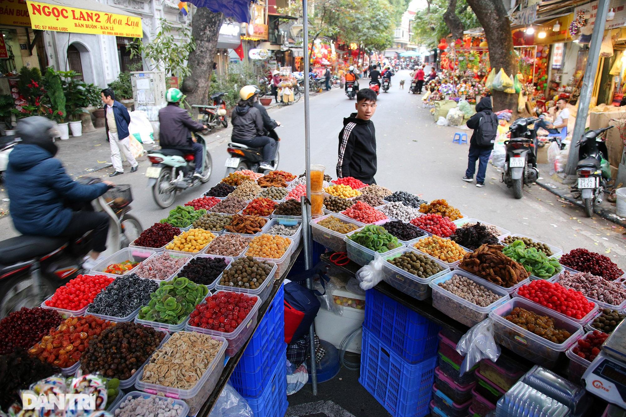 Chợ hoa Hàng Lược bắt đầu khoe sắc đón người dân sắm Tết - 6