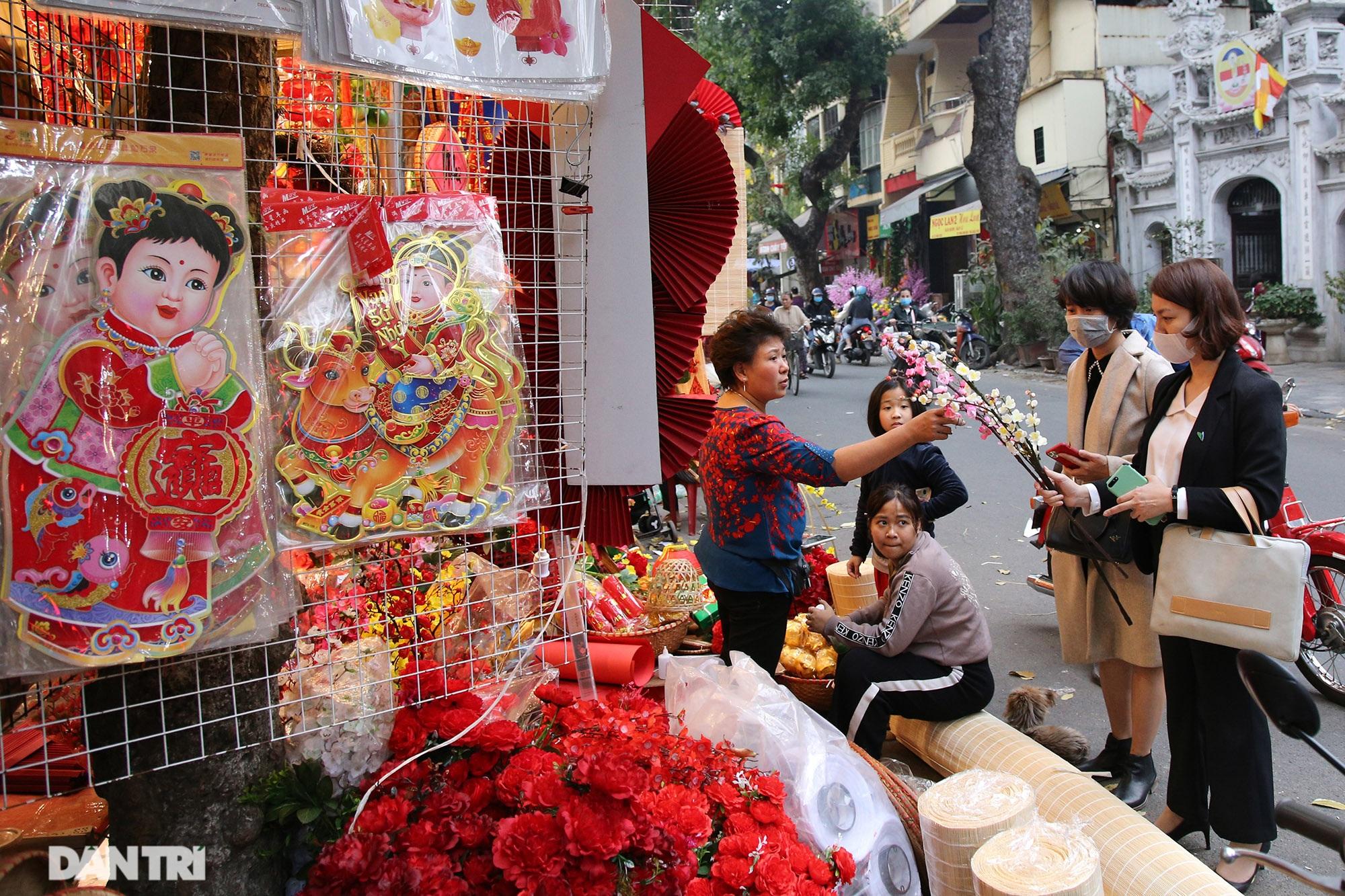 Chợ hoa Hàng Lược bắt đầu khoe sắc đón người dân sắm Tết - 7