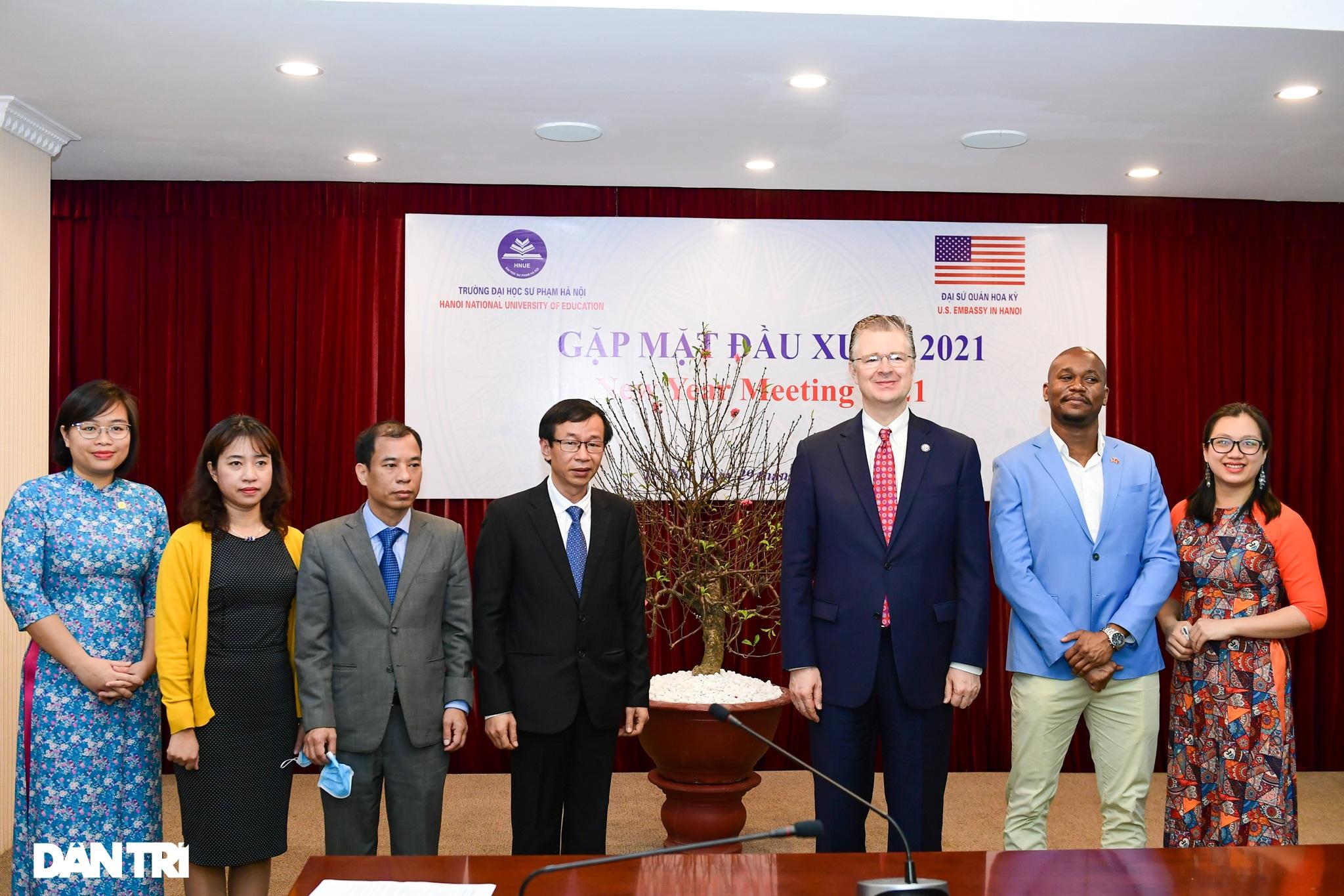 Đại sứ Hoa Kỳ tại Việt Nam tặng cây đào tự tay ghép cho trường ĐHSP Hà Nội - 7