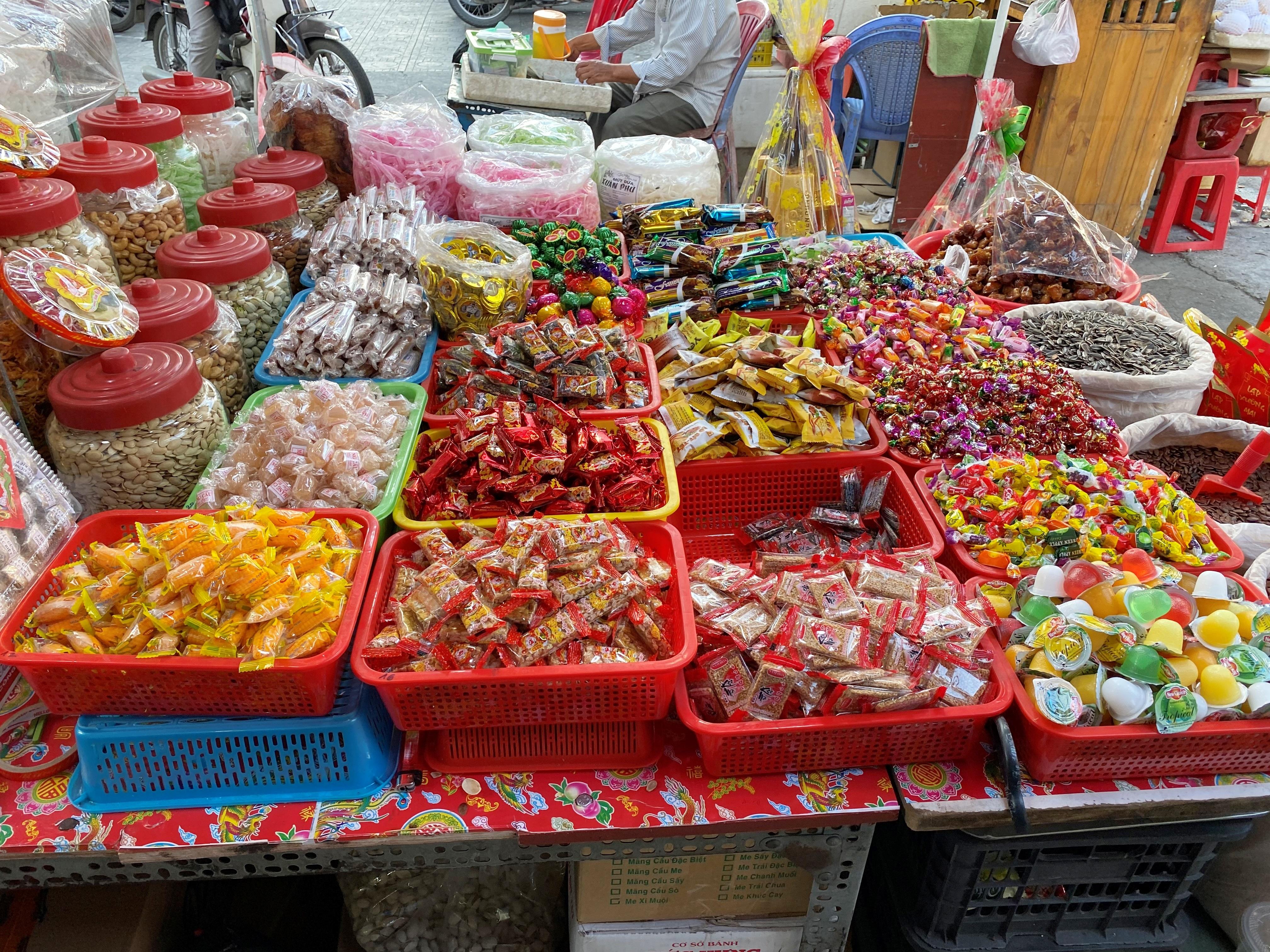 TP.HCM: Bánh kẹo Tết