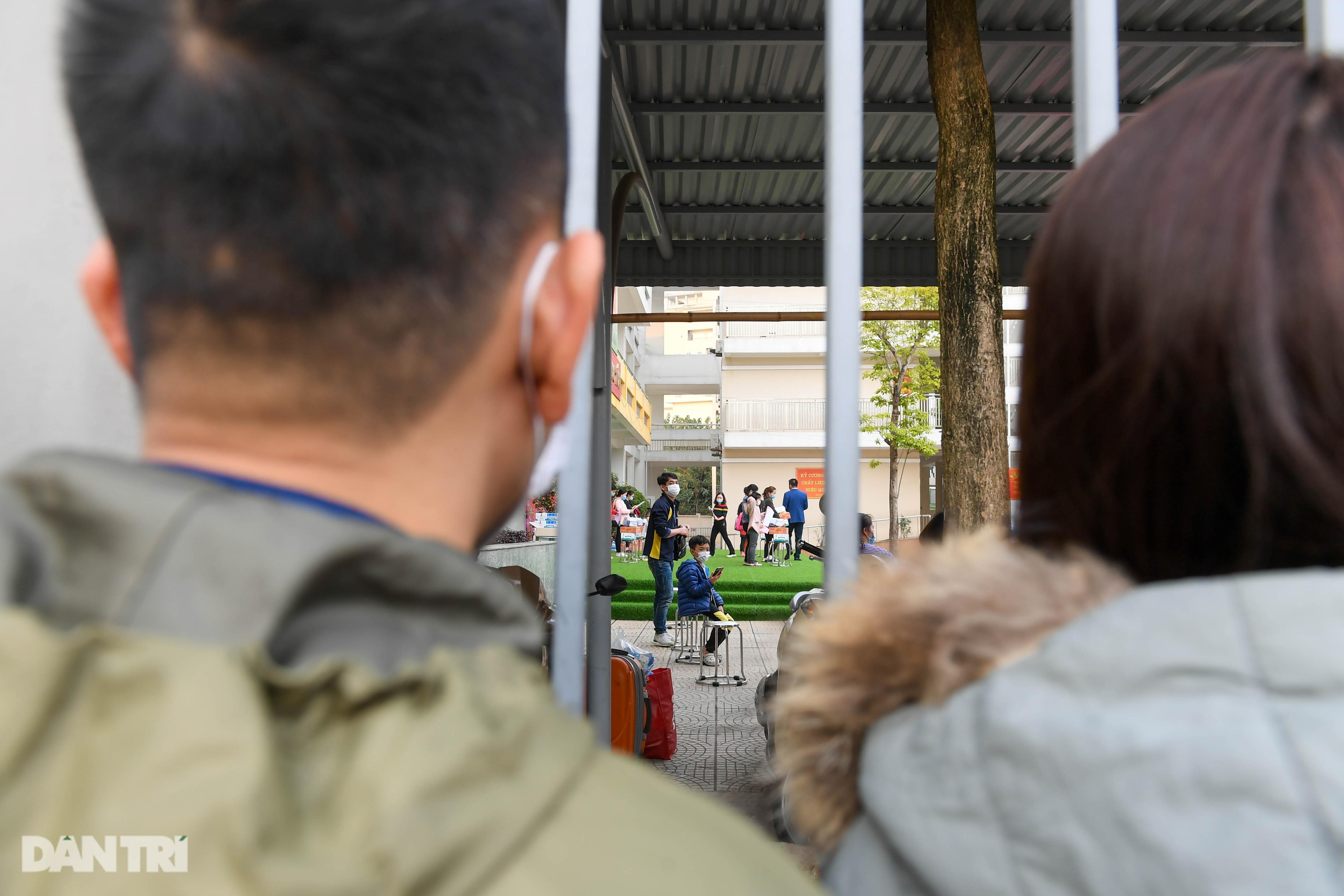 Toàn bộ người cách ly tại Tiểu học Xuân Phương được trở về nhà ăn Tết - 7