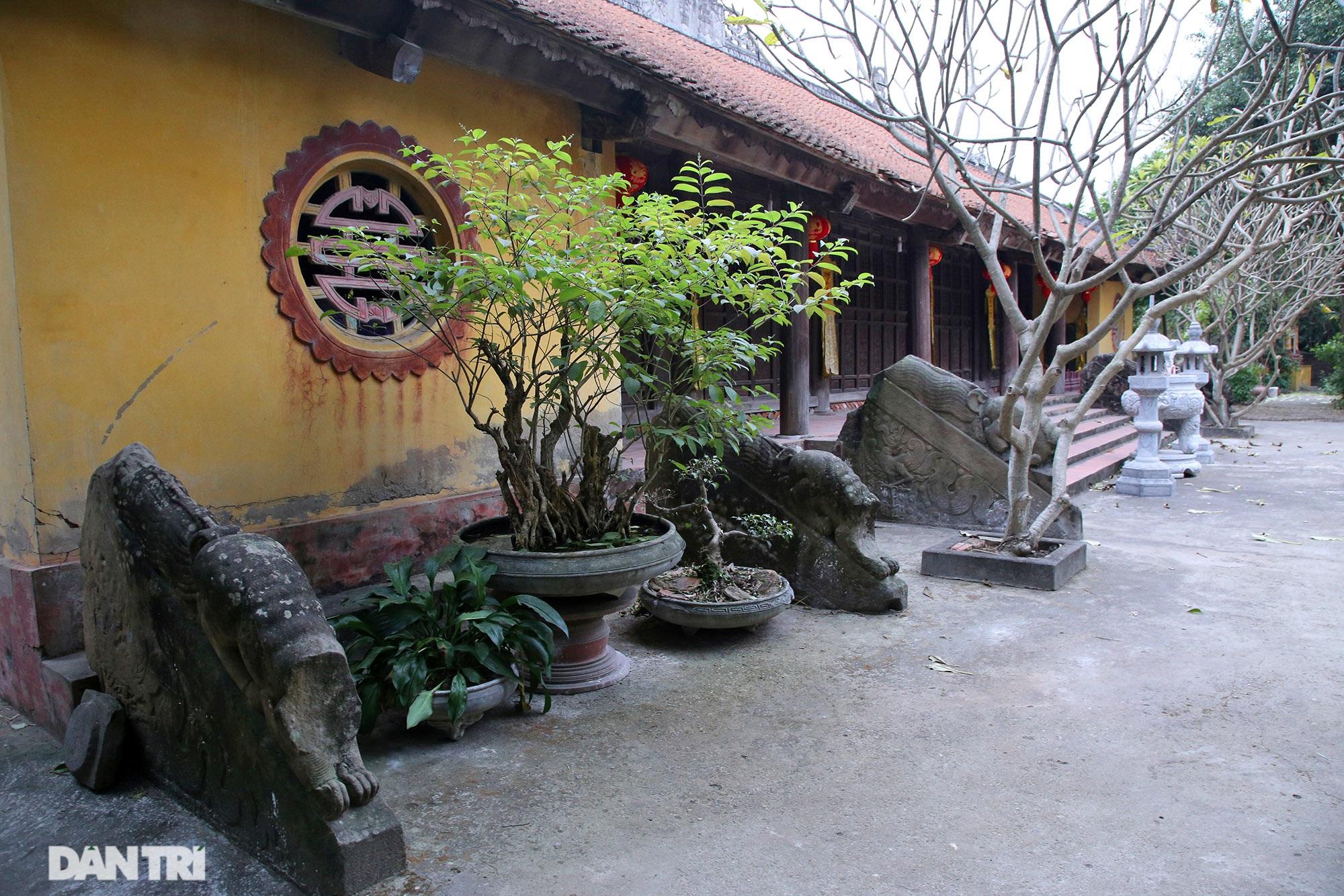 Heritage of massive stone sculpture at Huong Lang Pagoda - 10