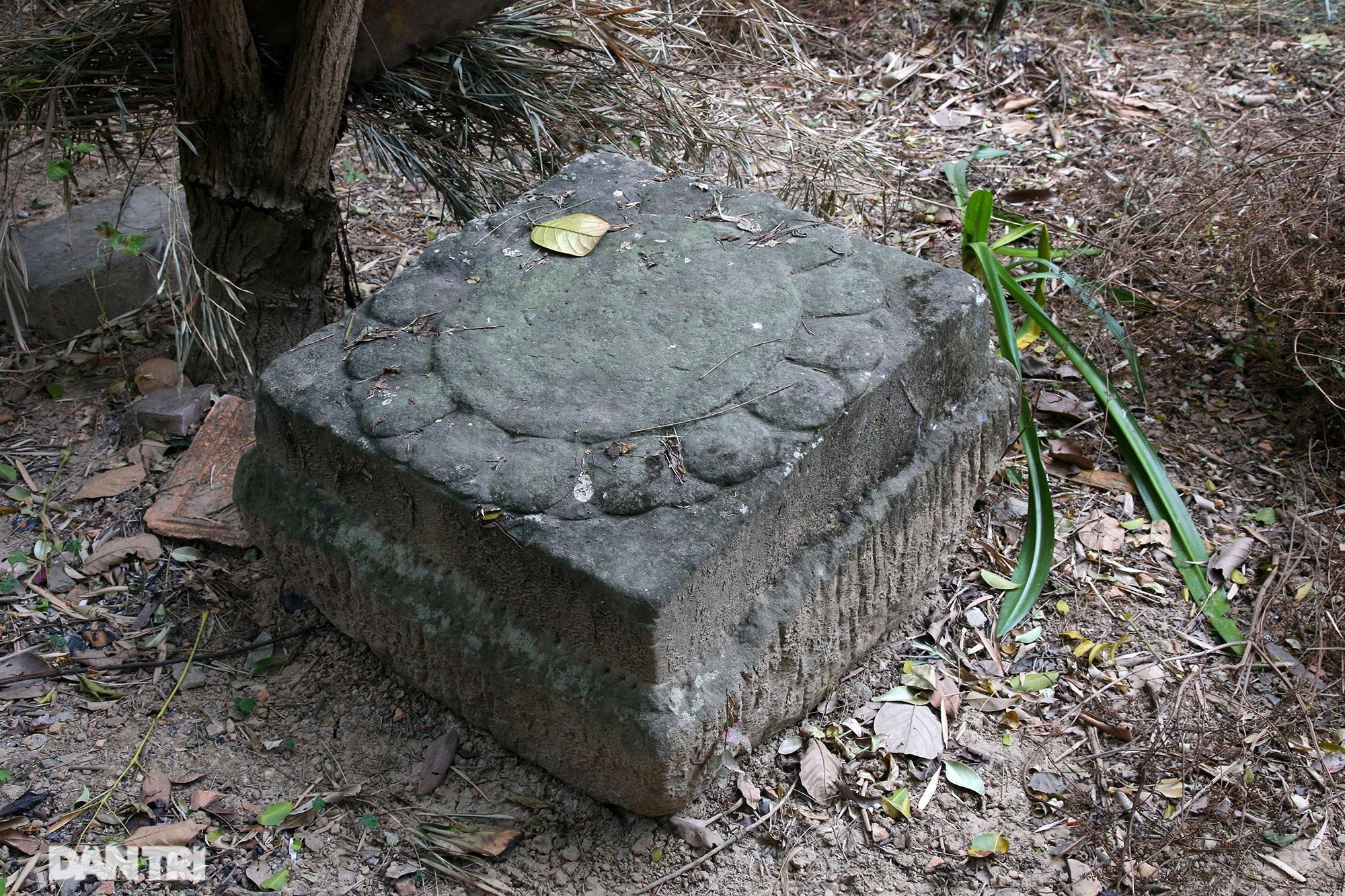 Heritage of massive stone sculpture at Huong Lang Pagoda - 12