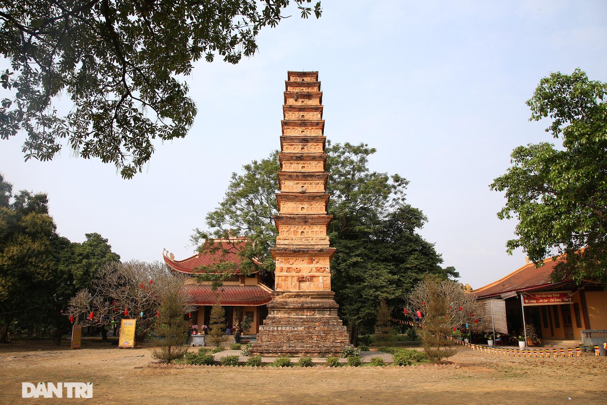 Tháp đất nung cao nhất Việt Nam thời Trần còn lại đến ngày nay - 1