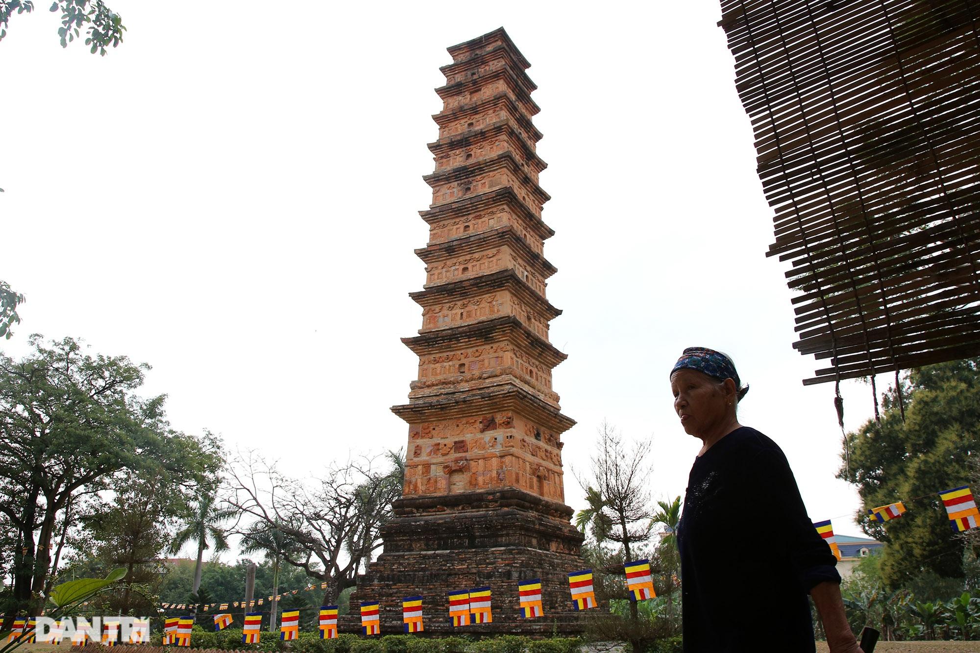 Tháp đất nung cao nhất Việt Nam thời Trần còn lại đến ngày nay - 13