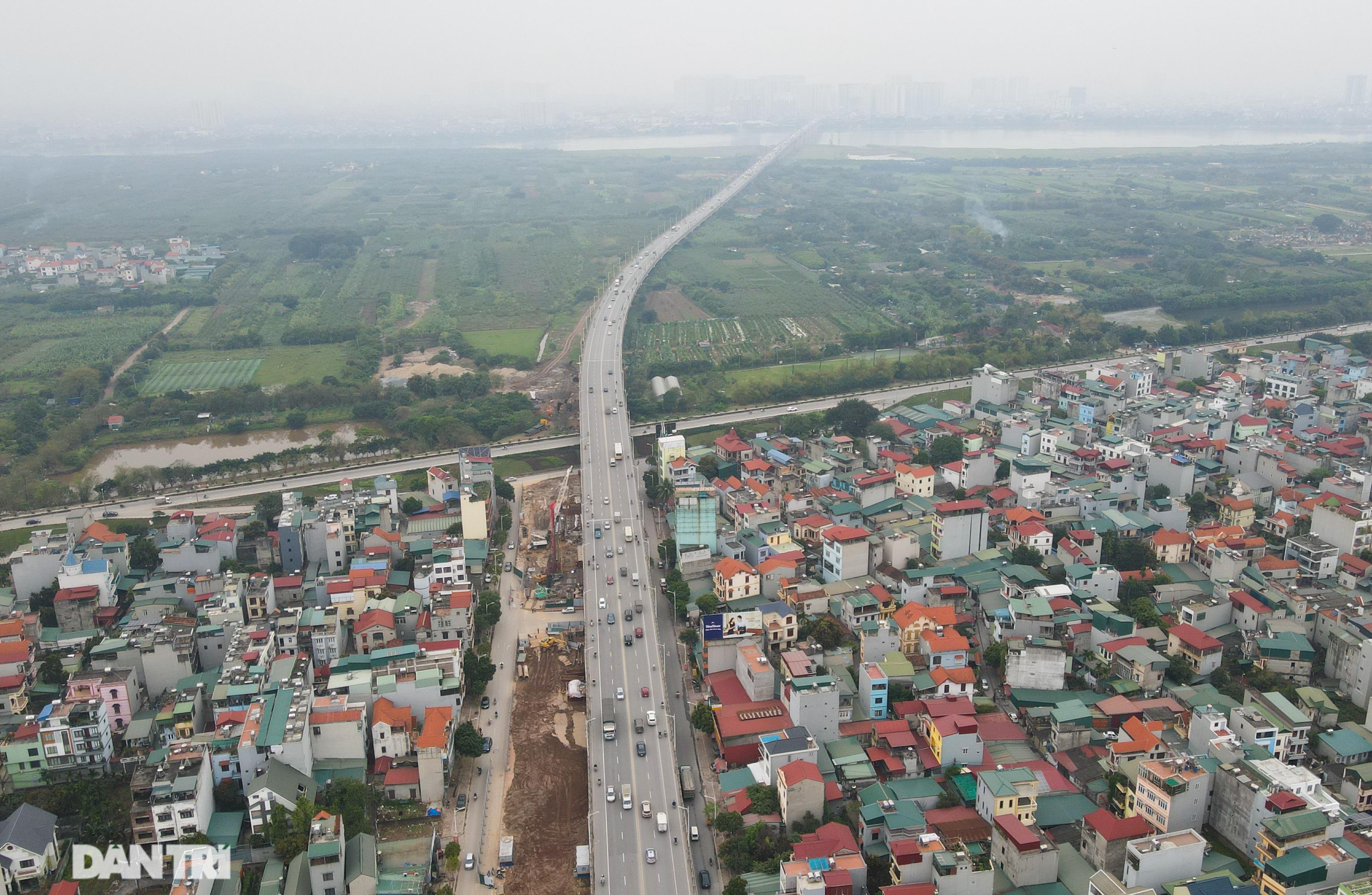 Công trường xây dựng cầu Vĩnh Tuy 2 vượt sông Hồng hơn 2.500 tỷ ở Hà Nội - 1