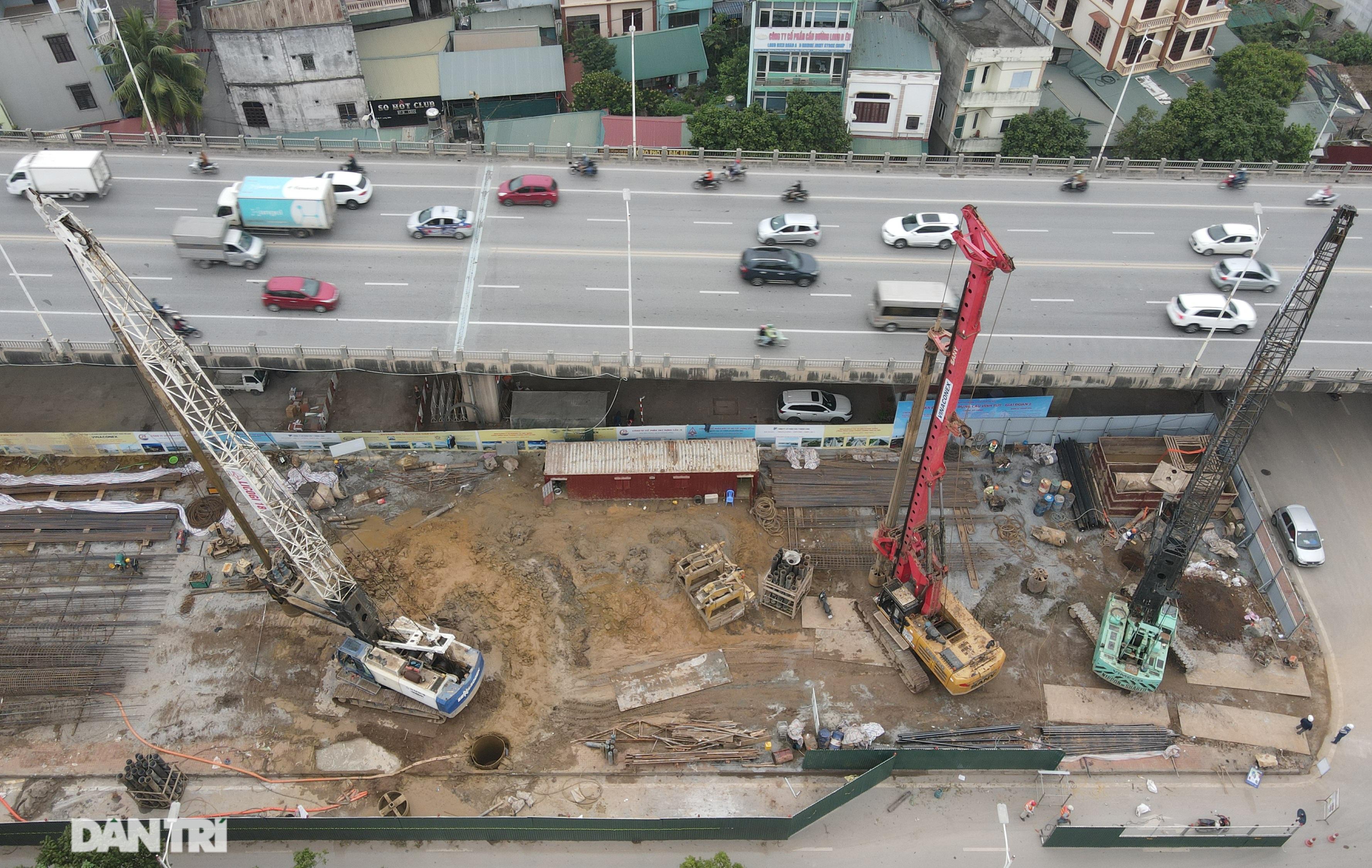 Công trường xây dựng cầu Vĩnh Tuy 2 vượt sông Hồng hơn 2.500 tỷ ở Hà Nội - 2
