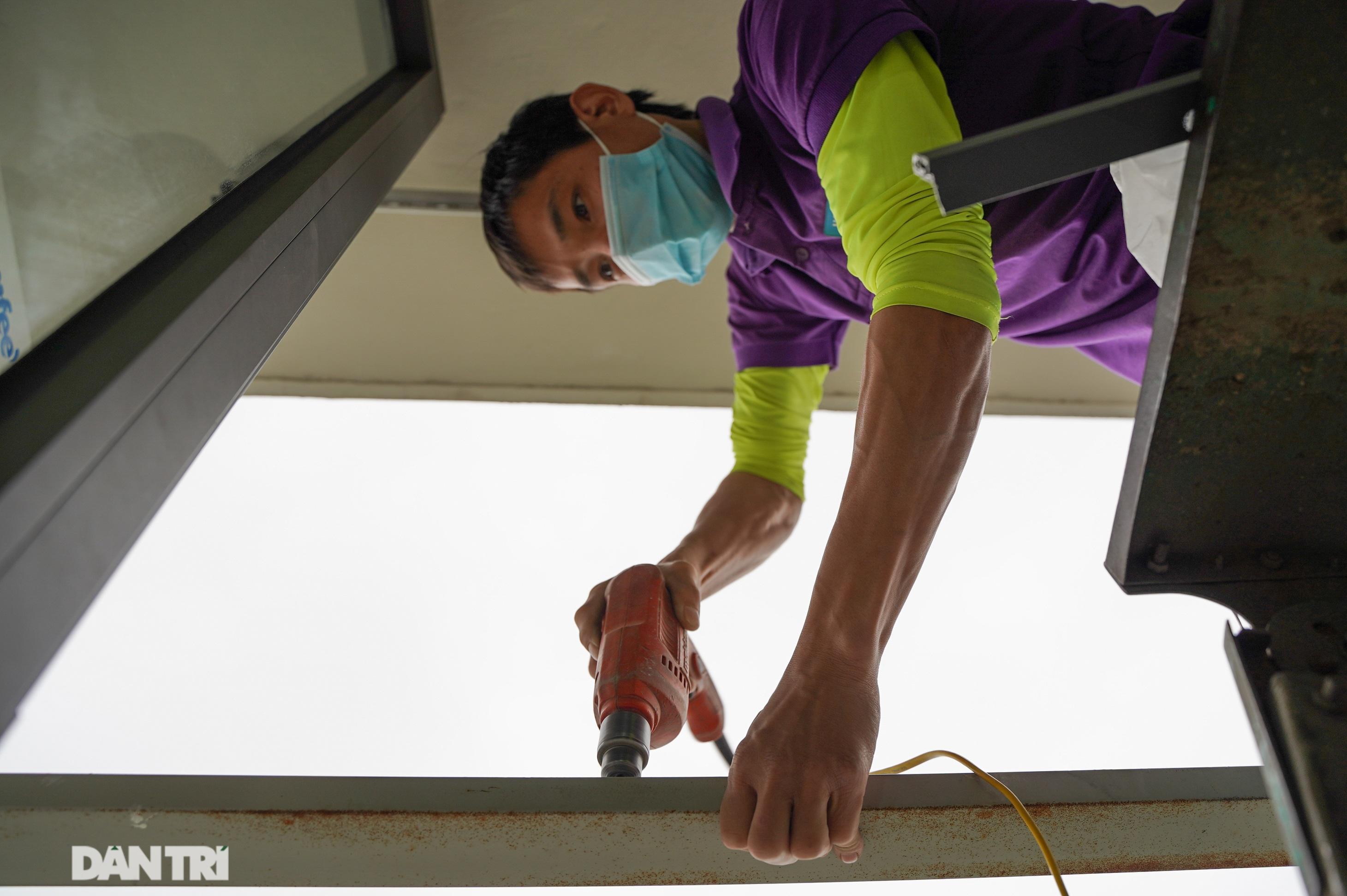 Lưới an toàn ban công được lắp đặt như thế nào tại các chung cư ở Hà Nội - 15