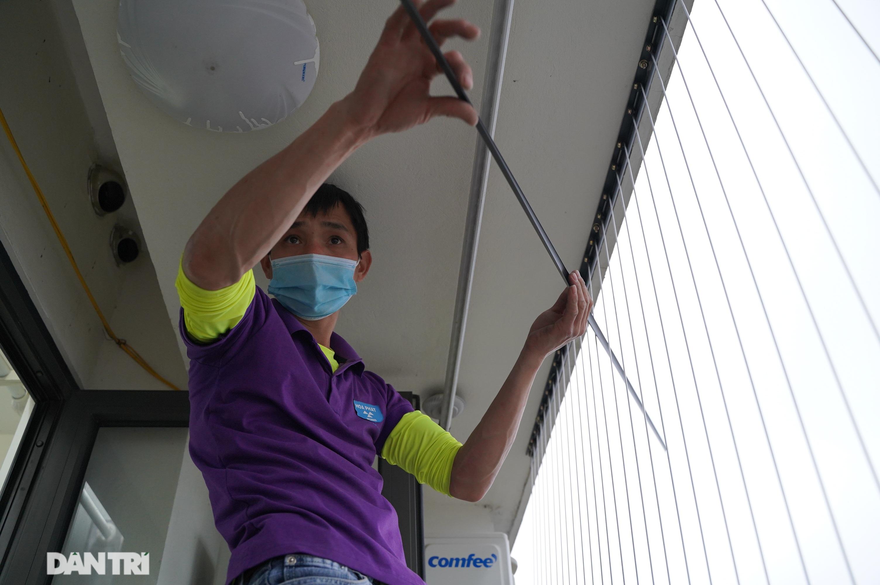 Lưới an toàn ban công được lắp đặt như thế nào tại các chung cư ở Hà Nội - 8