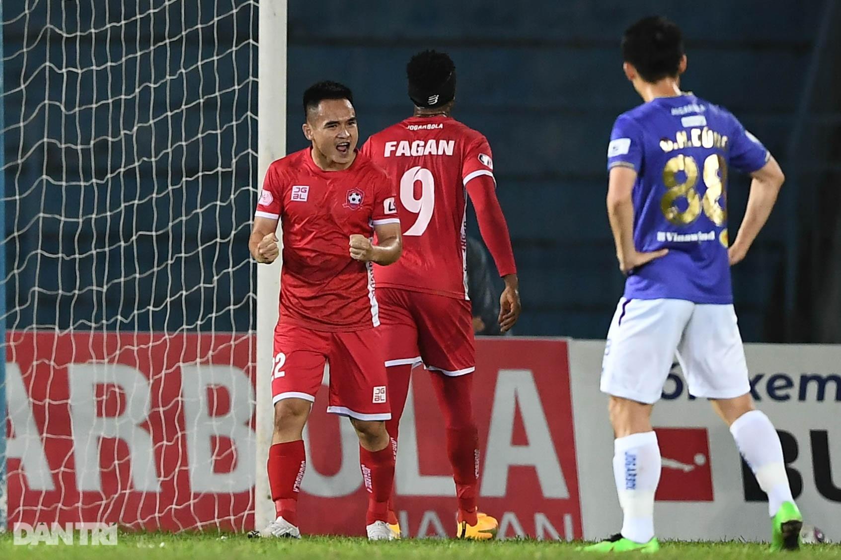 Người hùng Tấn Trường giúp CLB Hà Nội có 3 điểm đầu tiên ở V-League - 11