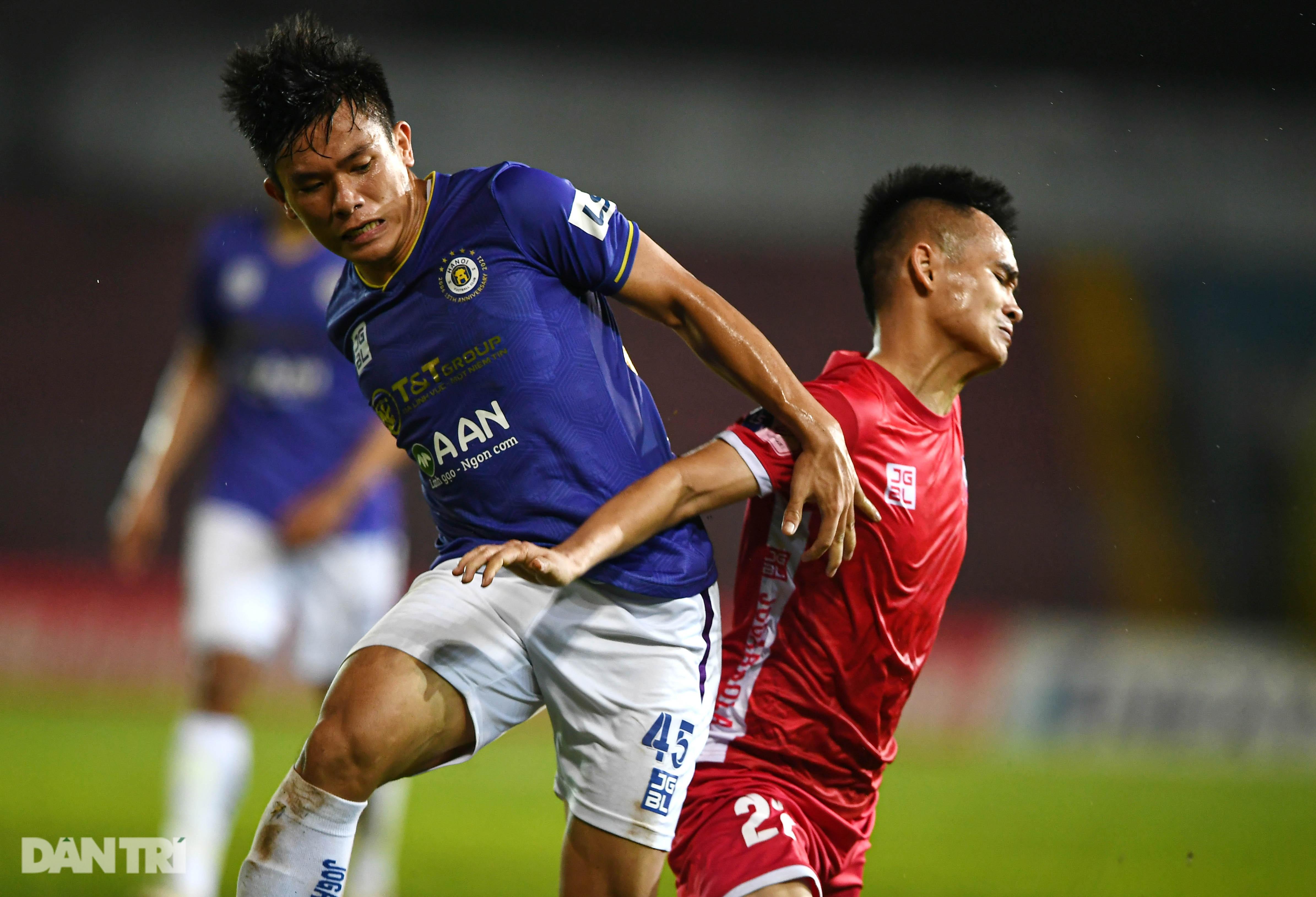 Người hùng Tấn Trường giúp CLB Hà Nội có 3 điểm đầu tiên ở V-League - 9