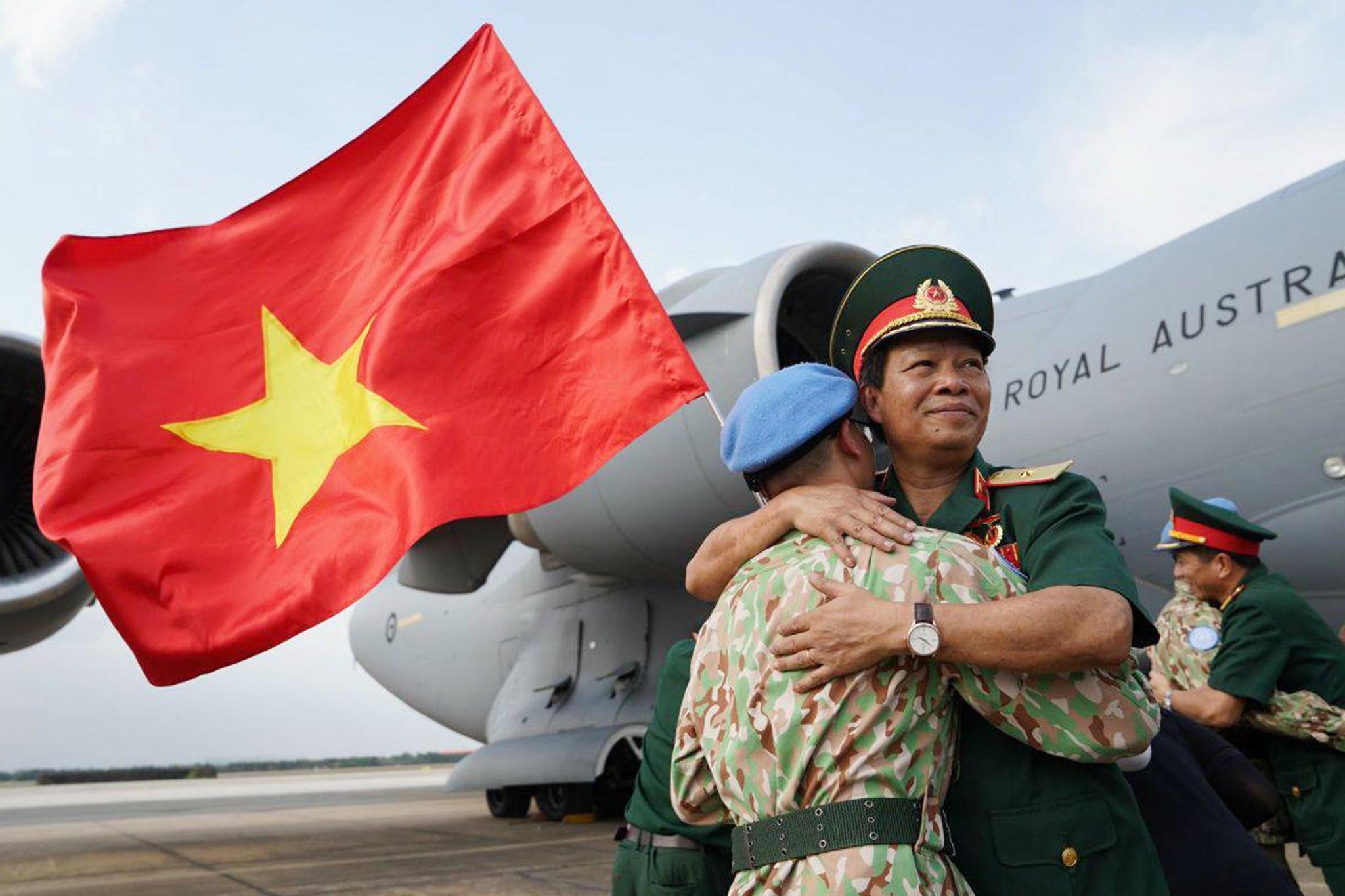 Xúc động giờ phút chia tay chiến sĩ mũ nồi xanh lên đường sang Nam Sudan - 8