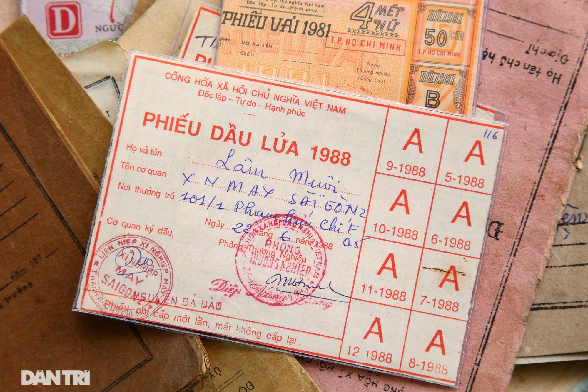 Ký ức gian khó qua bộ sưu tập tem phiếu, sổ gạo thời bao cấp - 12