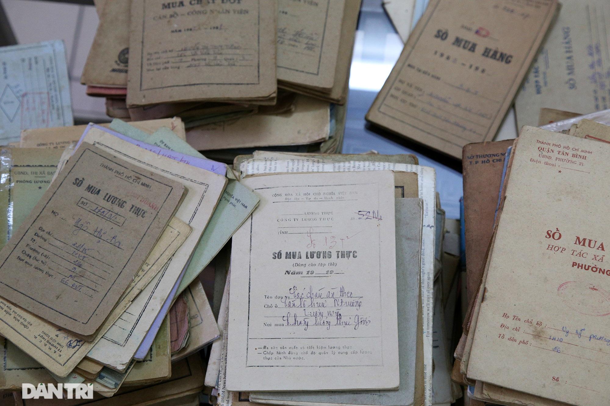 Ký ức gian khó qua bộ sưu tập tem phiếu, sổ gạo thời bao cấp - 2