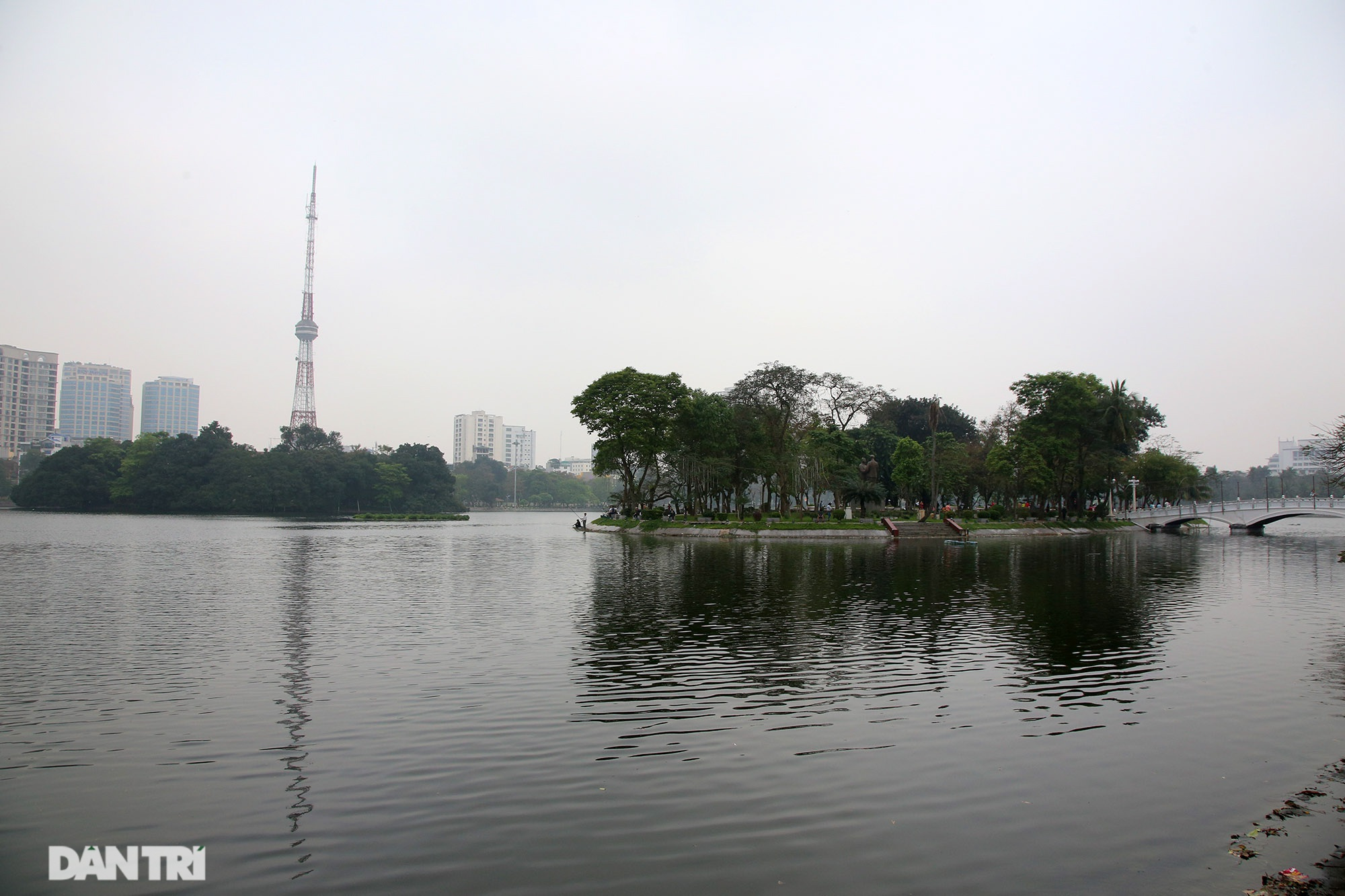 Little-known things about the largest park in Hanoi are about to turn 60 years old - 6