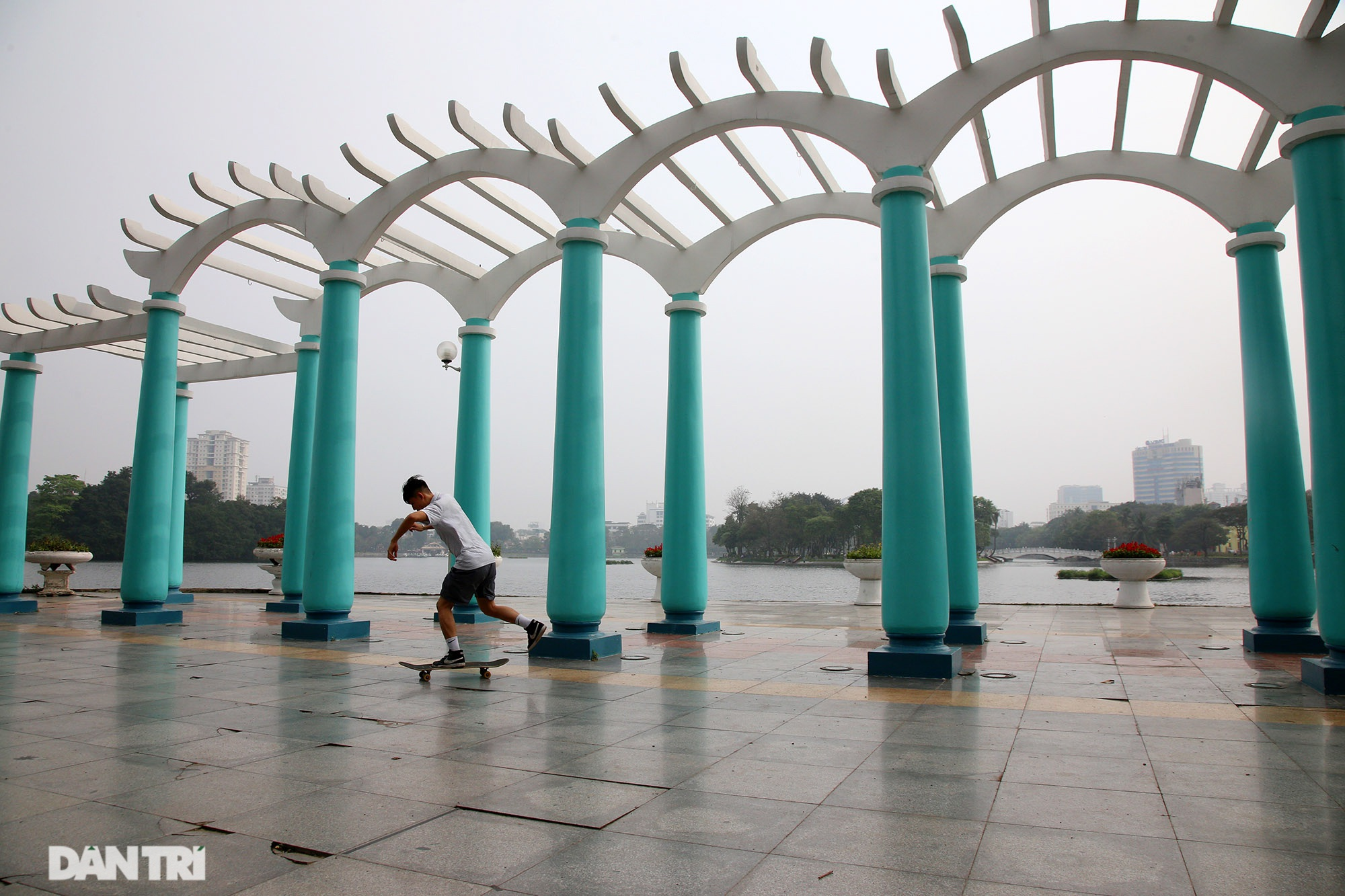 Little-known things about the largest park in Hanoi are about to turn 60 years old - 15 years old