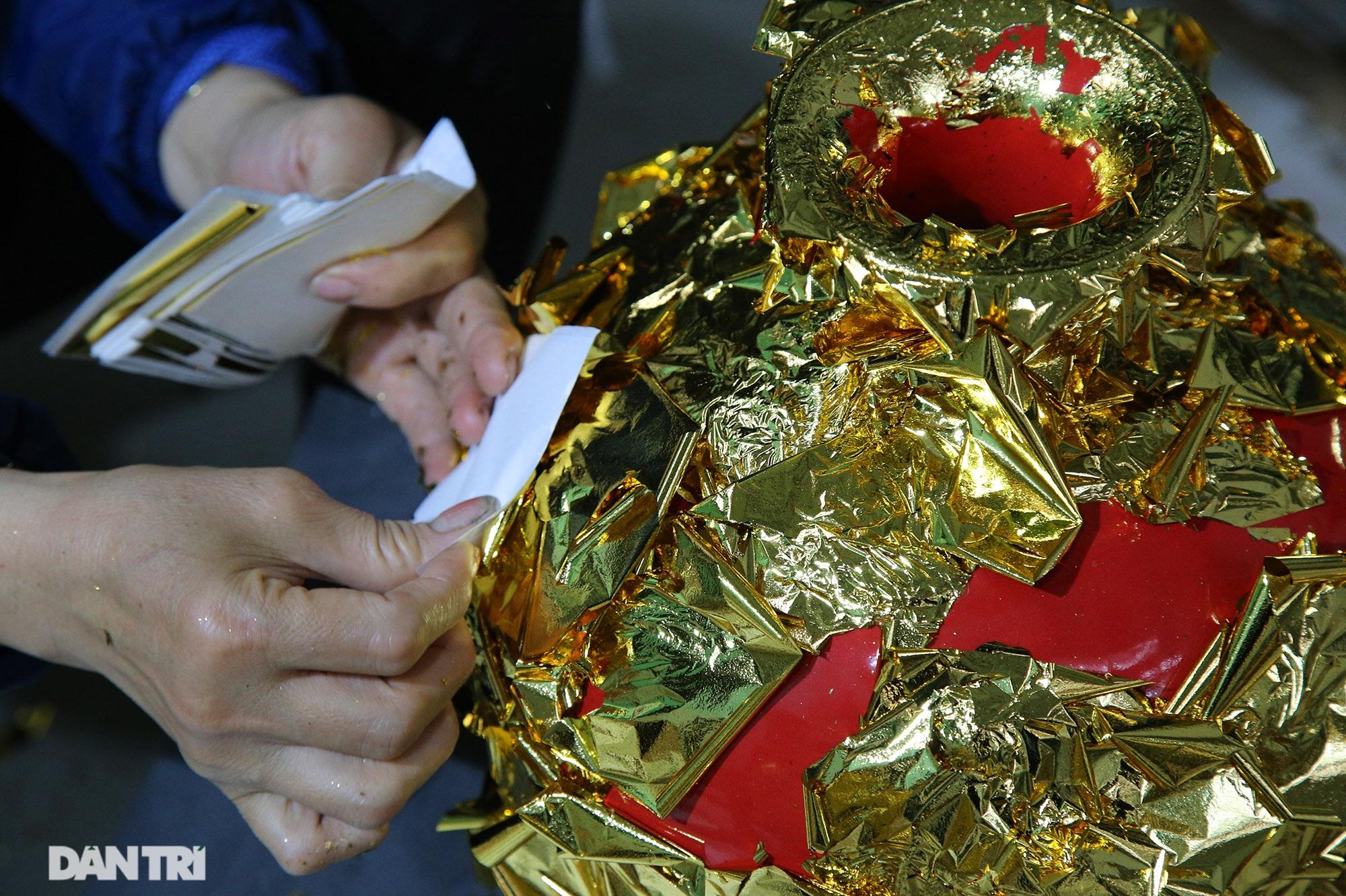 Nghề 300 năm đập vàng mỏng hơn giấy ở Hà Nội được công nhận là Di sản QG - 13