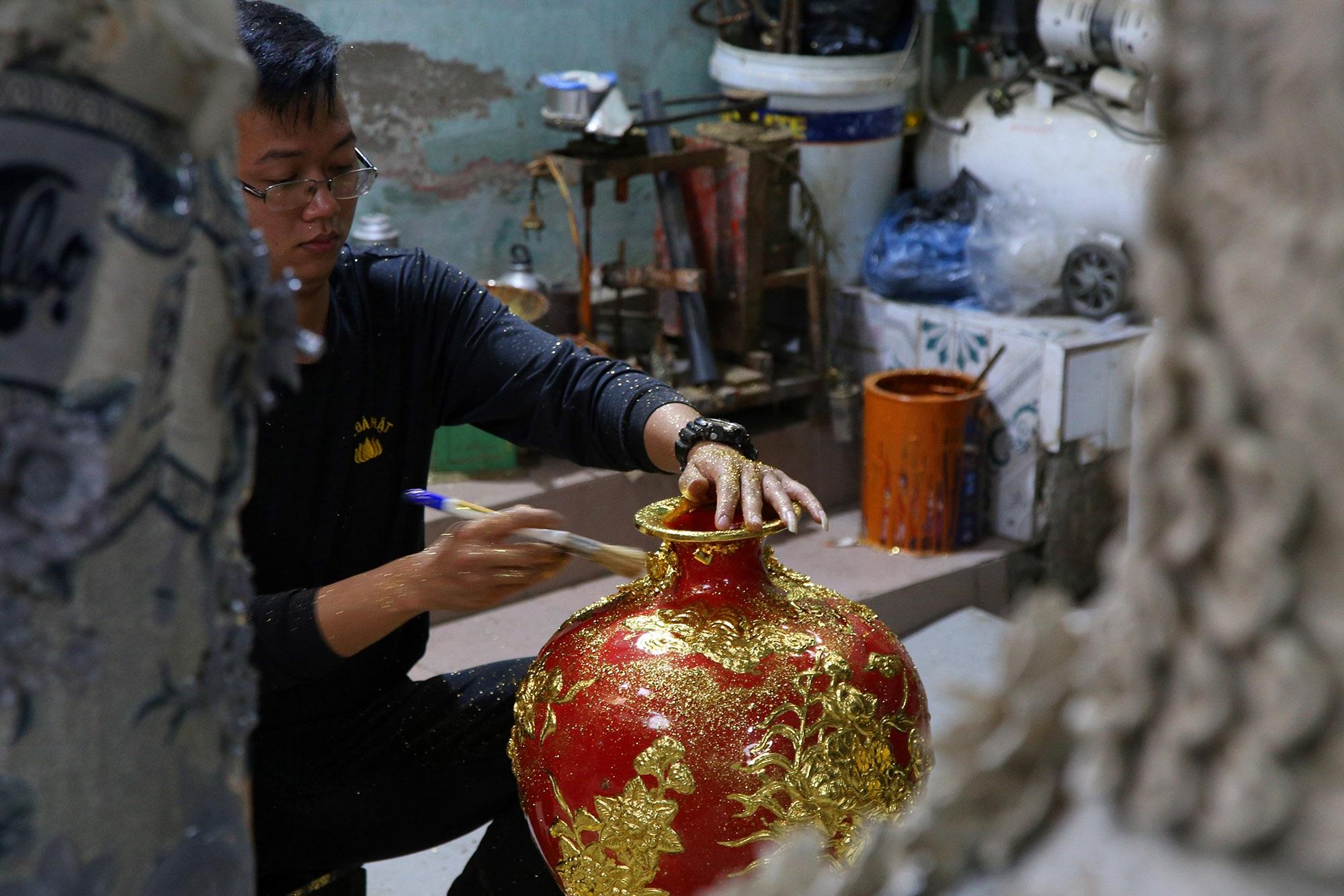 Nghề 300 năm đập vàng mỏng hơn giấy ở Hà Nội được công nhận là Di sản QG - 14