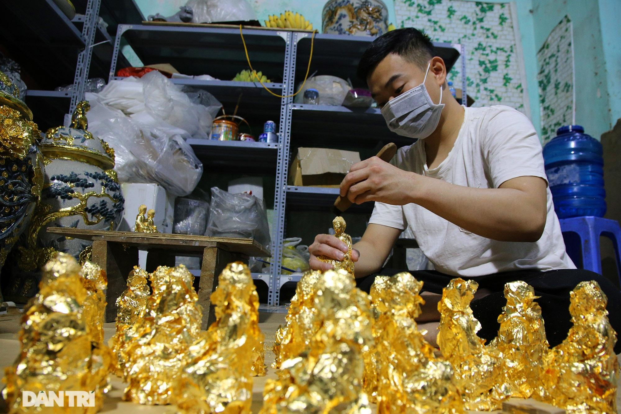 Nghề 300 năm đập vàng mỏng hơn giấy ở Hà Nội được công nhận là Di sản QG - 9