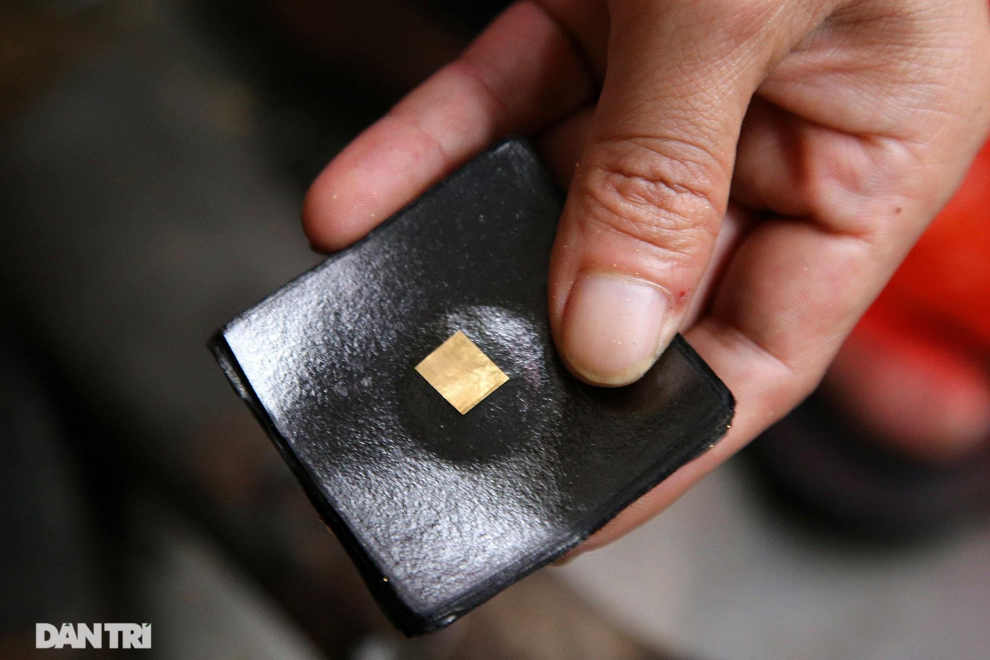 Nghề 300 năm đập vàng mỏng hơn giấy ở Hà Nội được công nhận là Di sản QG - 2