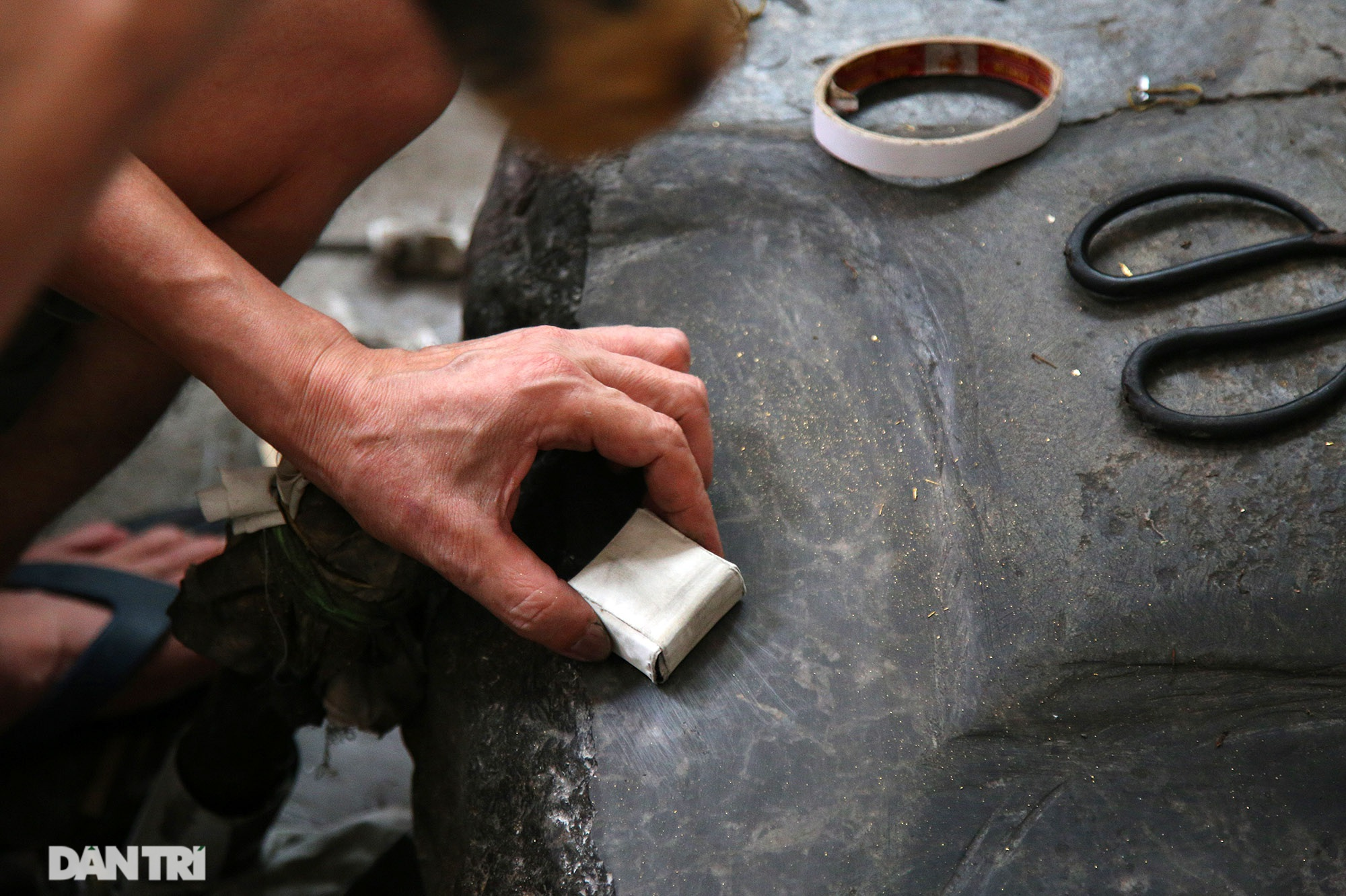 Nghề 300 năm đập vàng mỏng hơn giấy ở Hà Nội được công nhận là Di sản QG - 3
