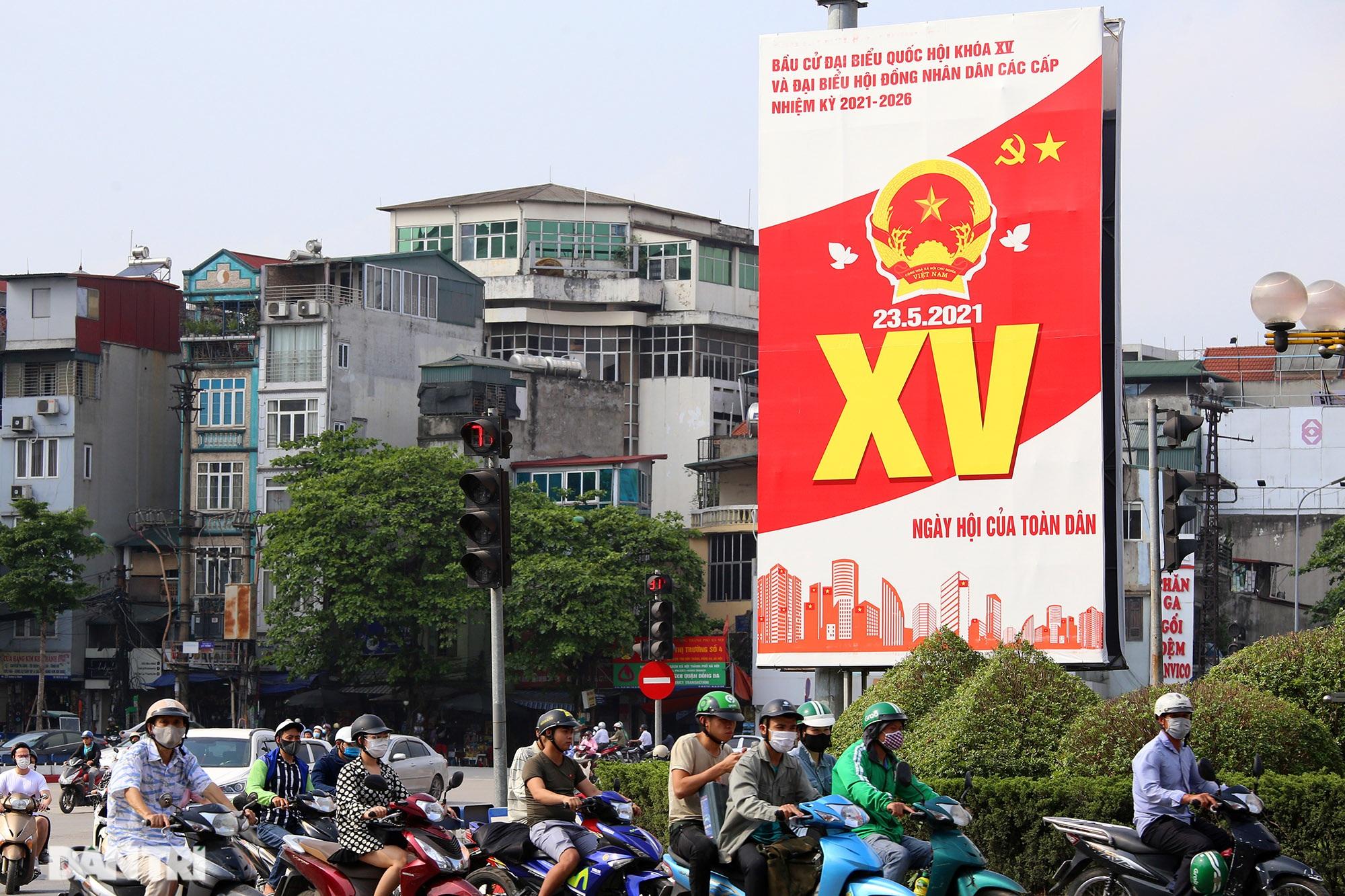 Hà Nội trang trí đường phố chào mừng cuộc bầu cử Đại biểu Quốc hội khóa XV - 1