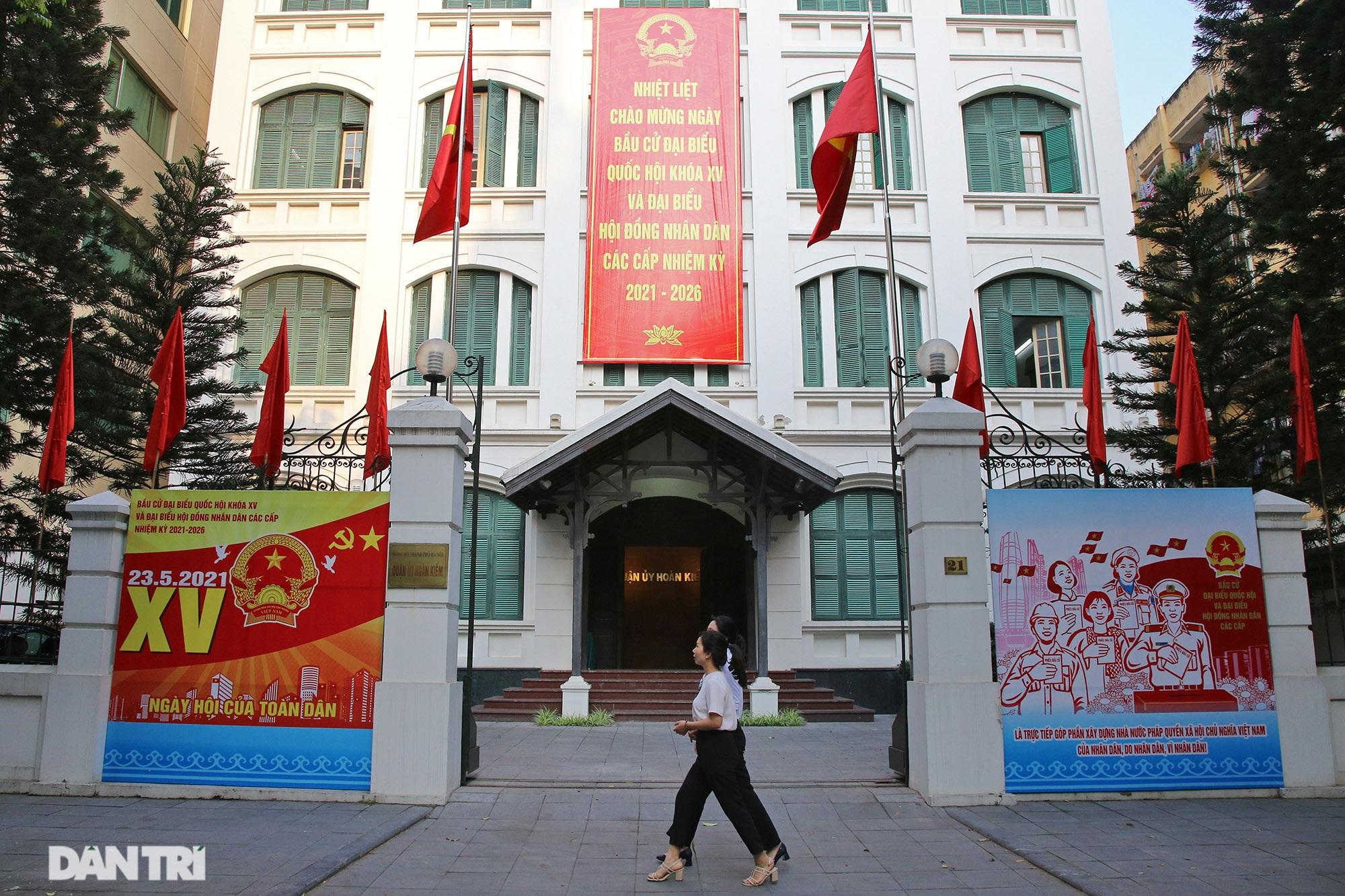 Hà Nội trang trí đường phố chào mừng cuộc bầu cử Đại biểu Quốc hội khóa XV - 2