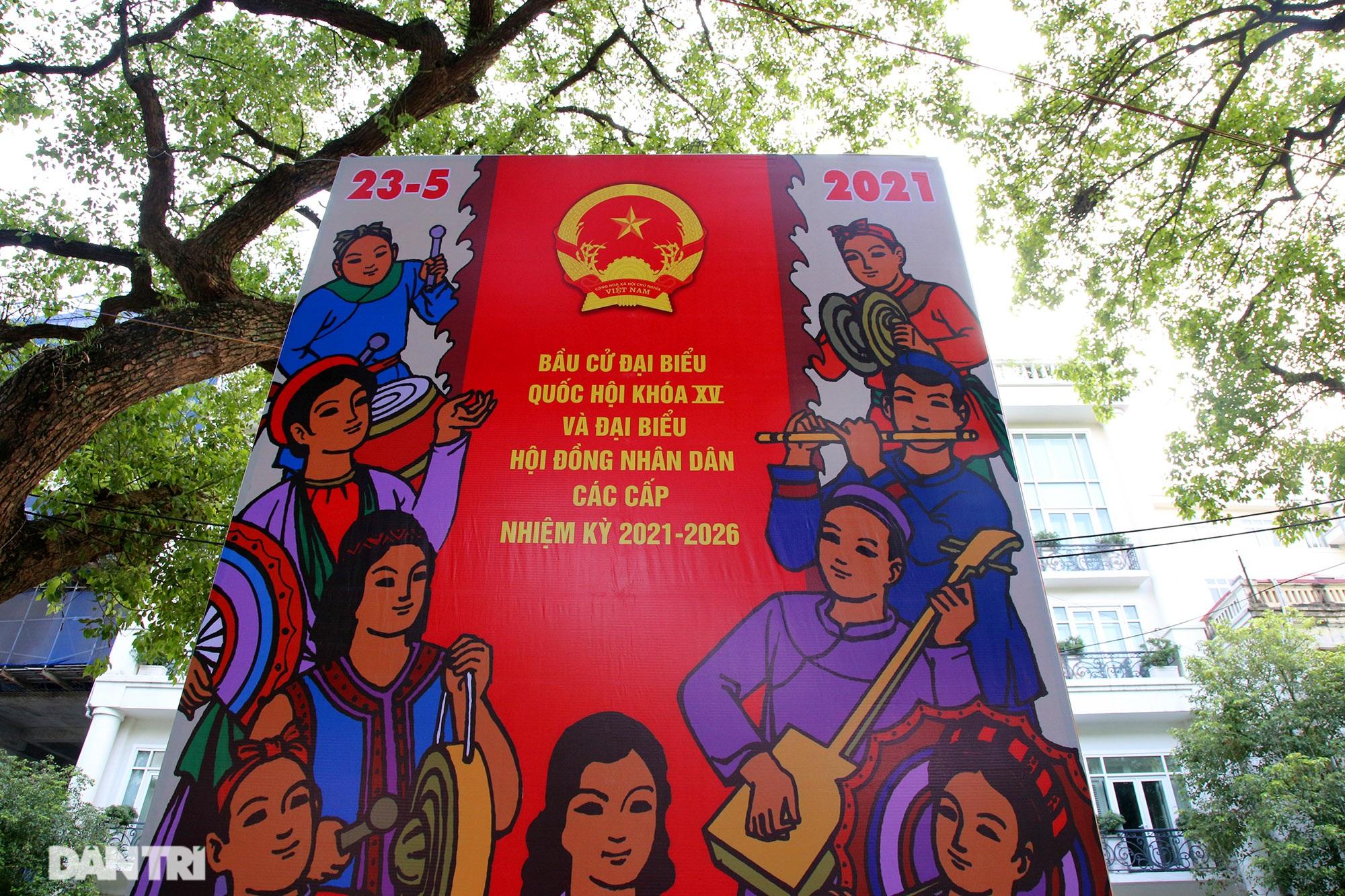 Hà Nội trang trí đường phố chào mừng cuộc bầu cử Đại biểu Quốc hội khóa XV - 7
