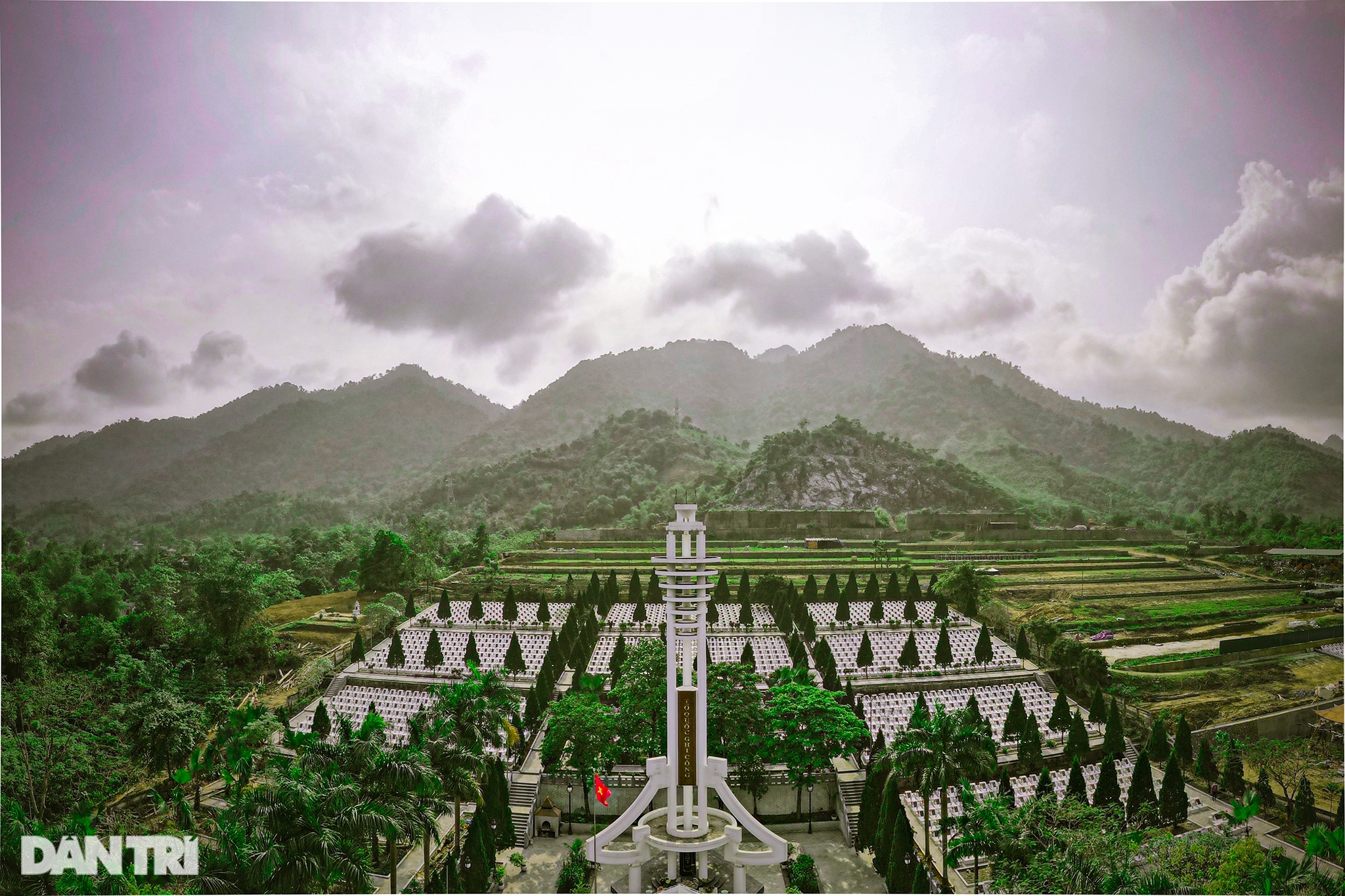 The majesty along the road of happiness on the rocky plateau of Ha Giang - 2