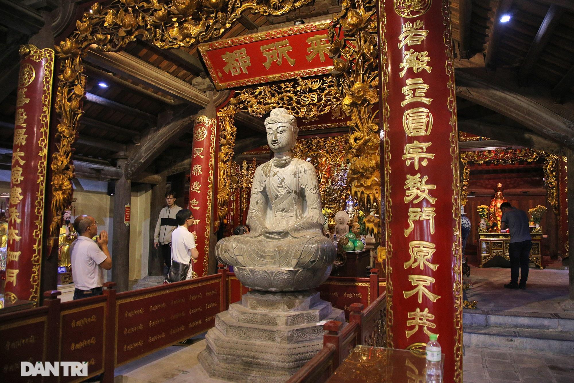 Strangely 10 thousand year old stone summoned beasts guard Buddha Tich Pagoda - 1