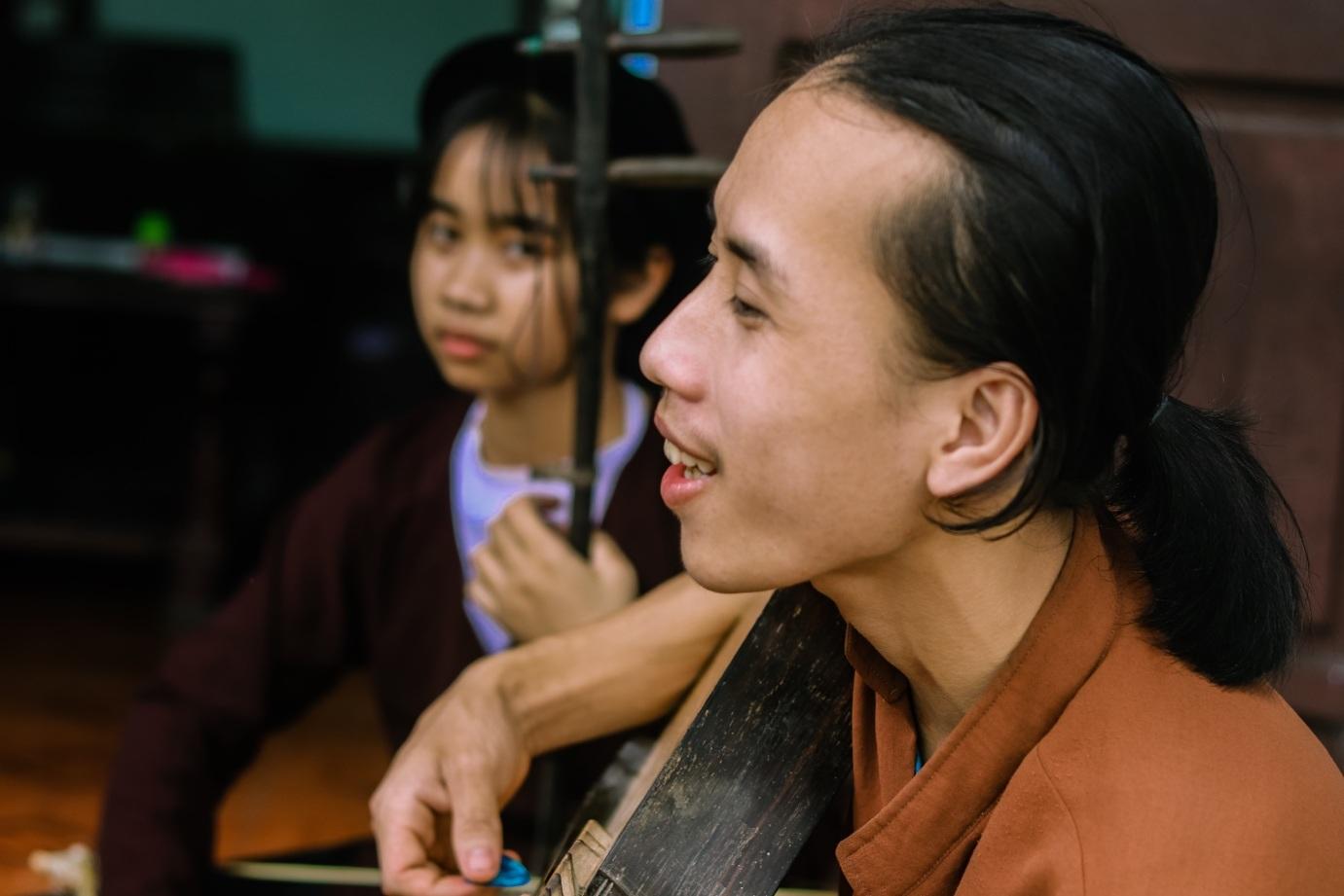 Chàng trai 10X đam mê hát Xẩm trên quê hương nghệ nhân Hà Thị Cầu - 7