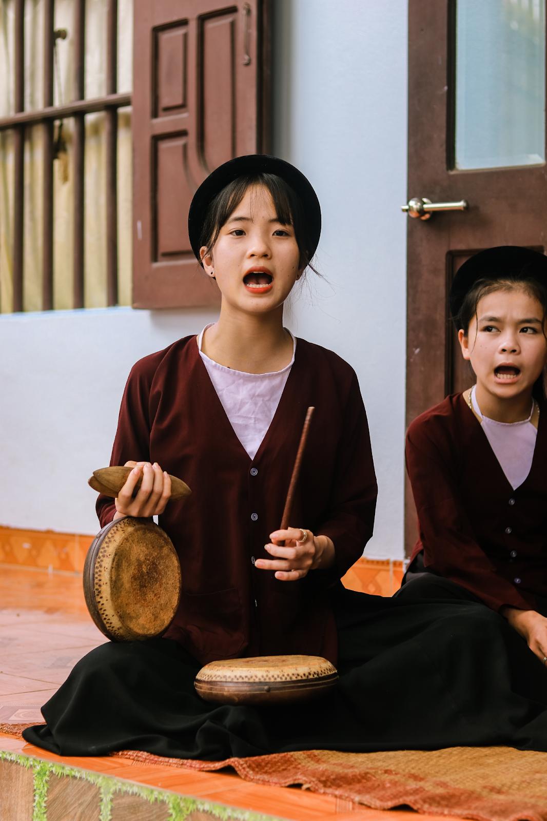 Chàng trai 10X đam mê hát Xẩm trên quê hương nghệ nhân Hà Thị Cầu - 6