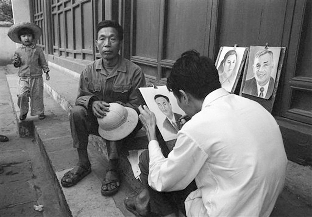 Hồ Gươm đối lập sau nửa thế kỷ qua ảnh tư liệu của phóng viên AP - 15