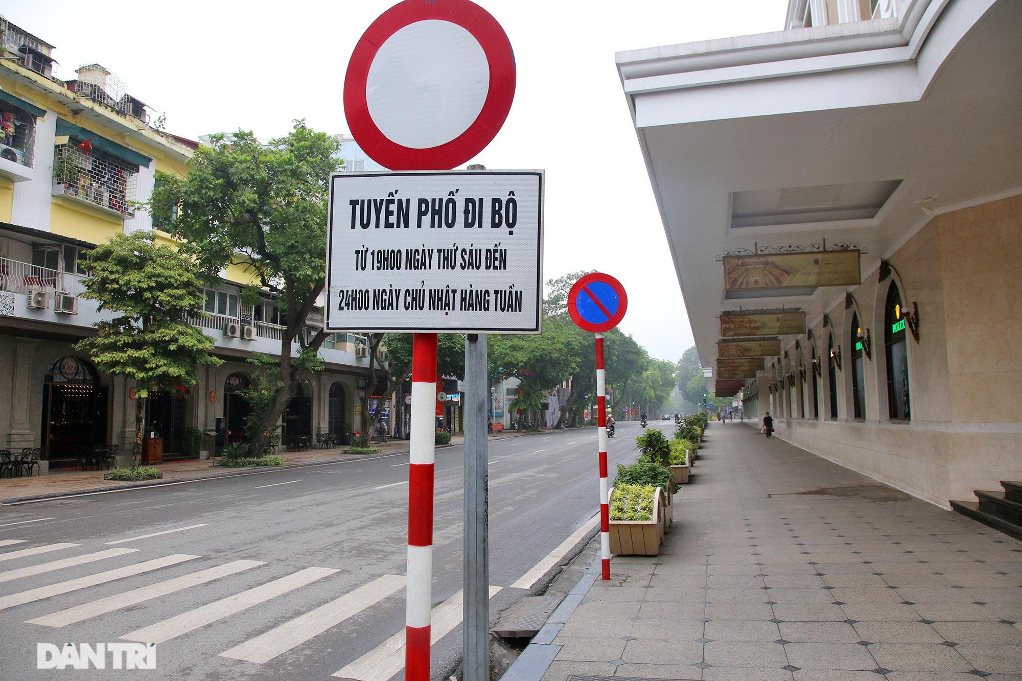 Lo ngại dịch bệnh Covid-19 lây lan, người dân Hà Nội cố thủ trong nhà - 8