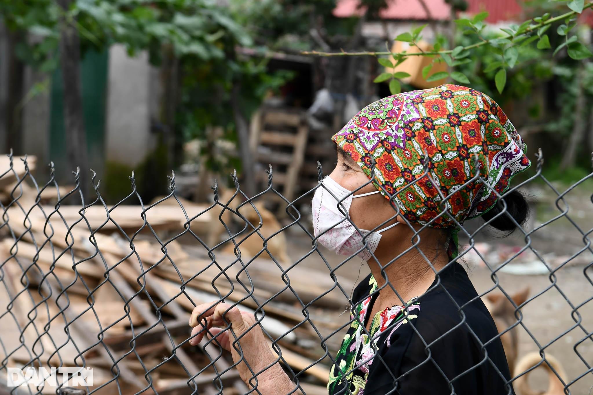 Cuộc sống khu dân cư cách ly ở Hà Nội: Cầu trời cho dịch bệnh qua nhanh - 8